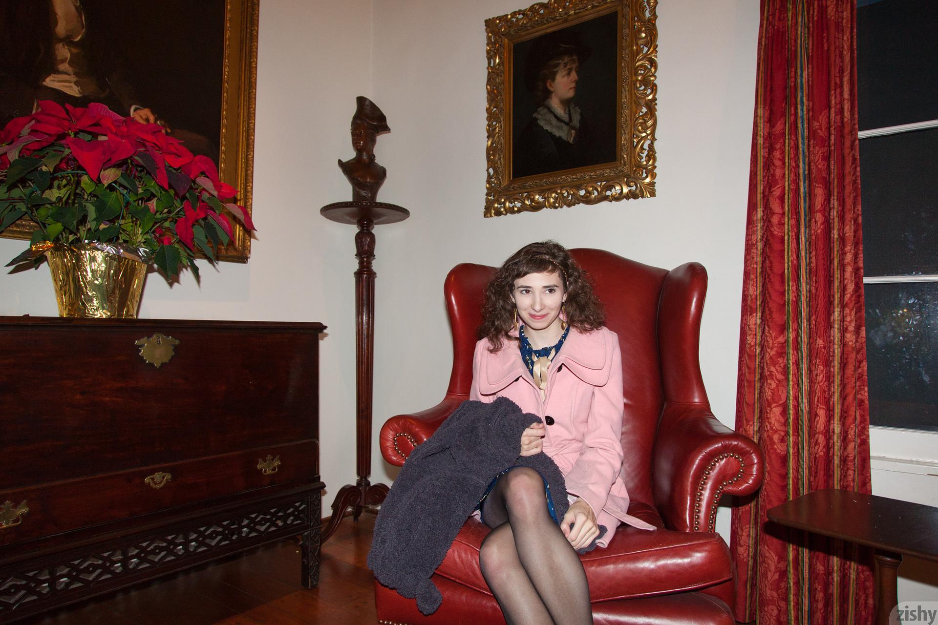 Yvette Nolot At Arizona Inn Zishy (14)