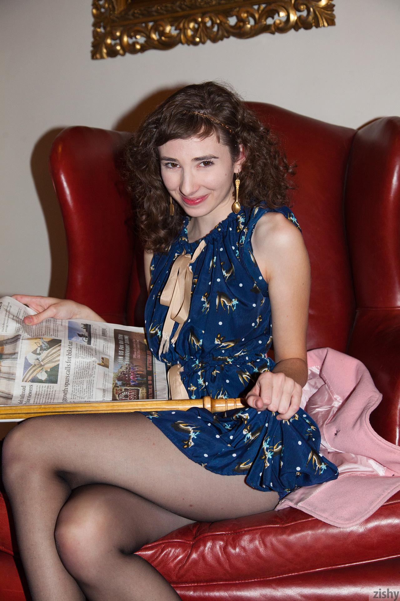 Yvette Nolot At Arizona Inn Zishy (16)