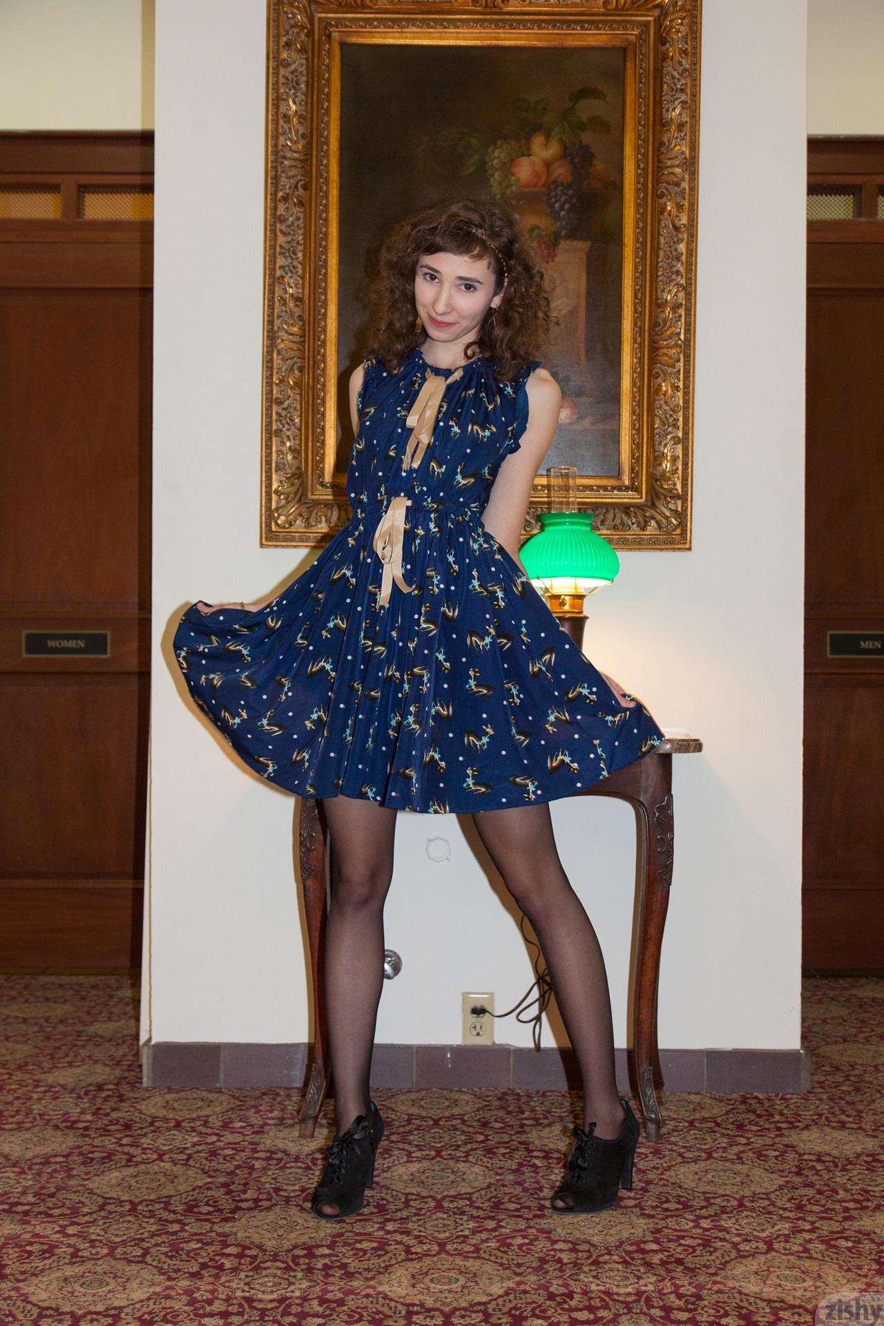 Yvette Nolot At Arizona Inn Zishy (21)