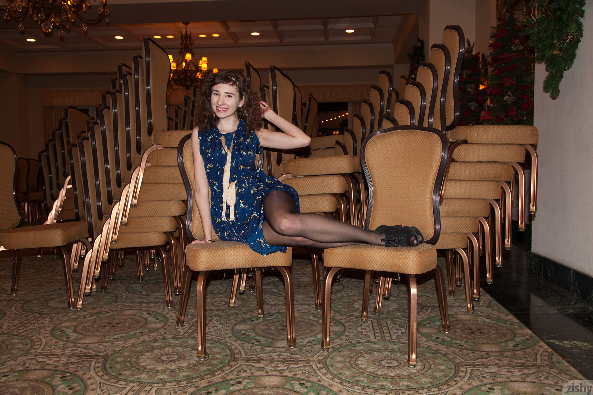 Yvette Nolot At Arizona Inn Zishy (26)
