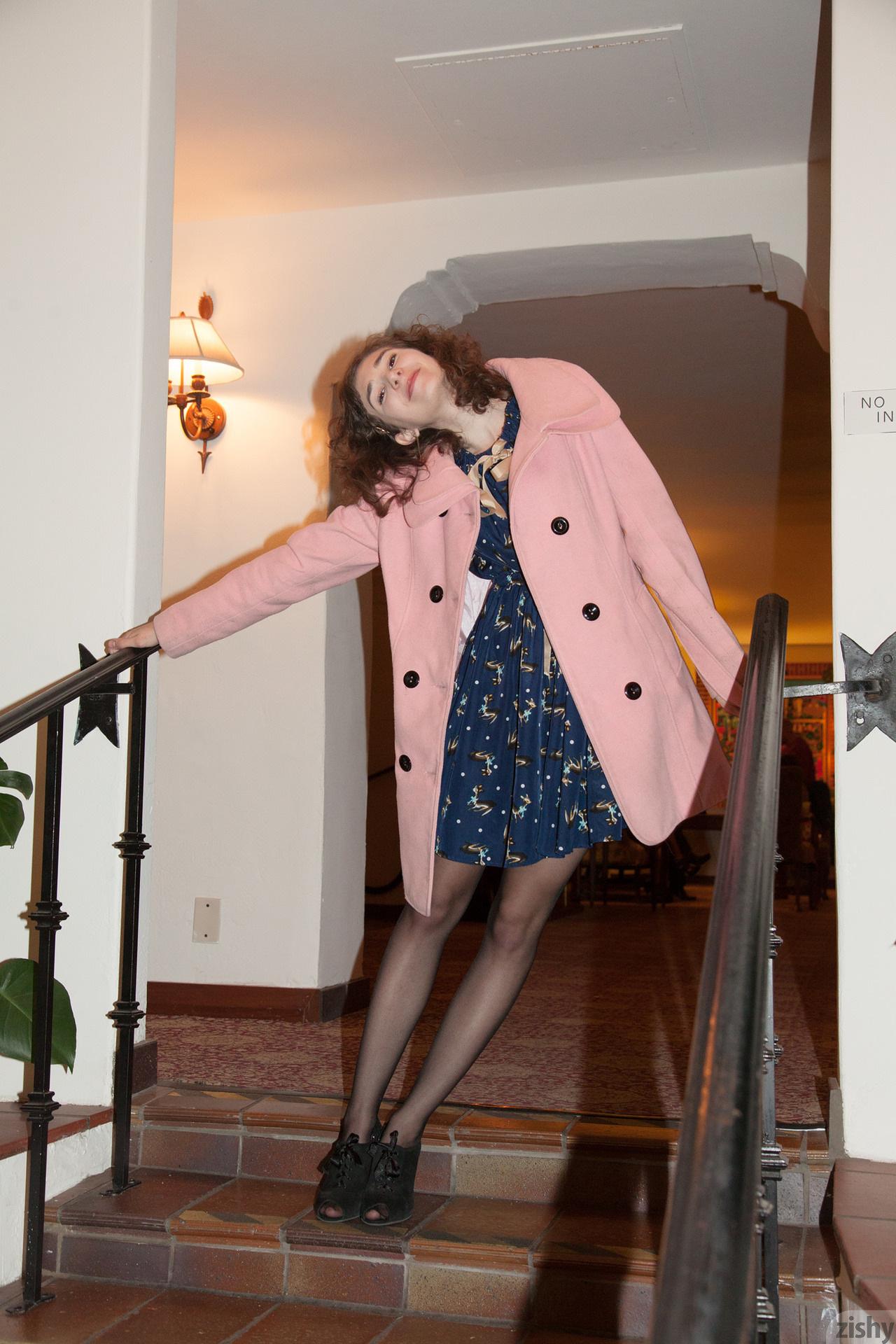 Yvette Nolot At Arizona Inn Zishy (34)