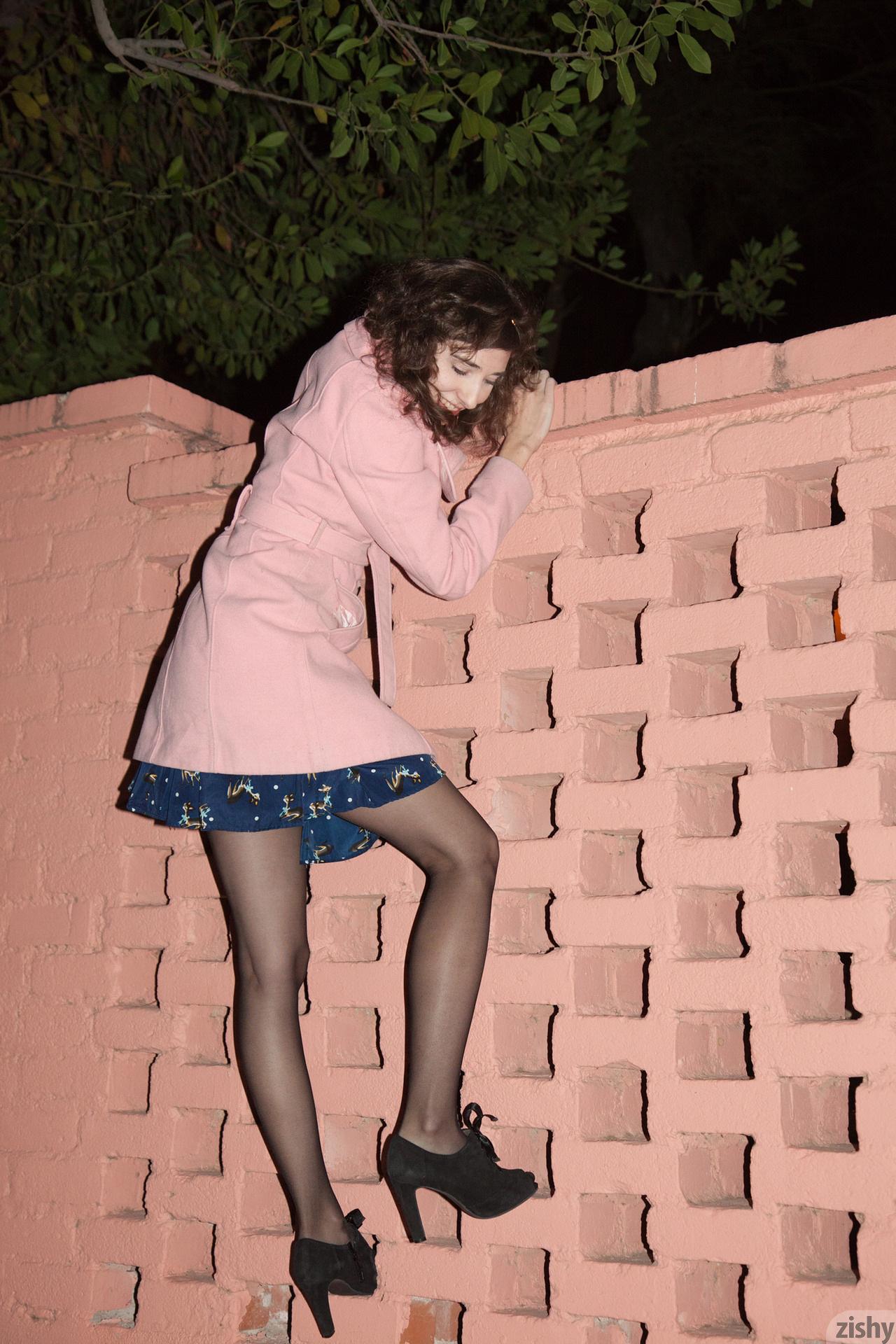 Yvette Nolot At Arizona Inn Zishy (46)