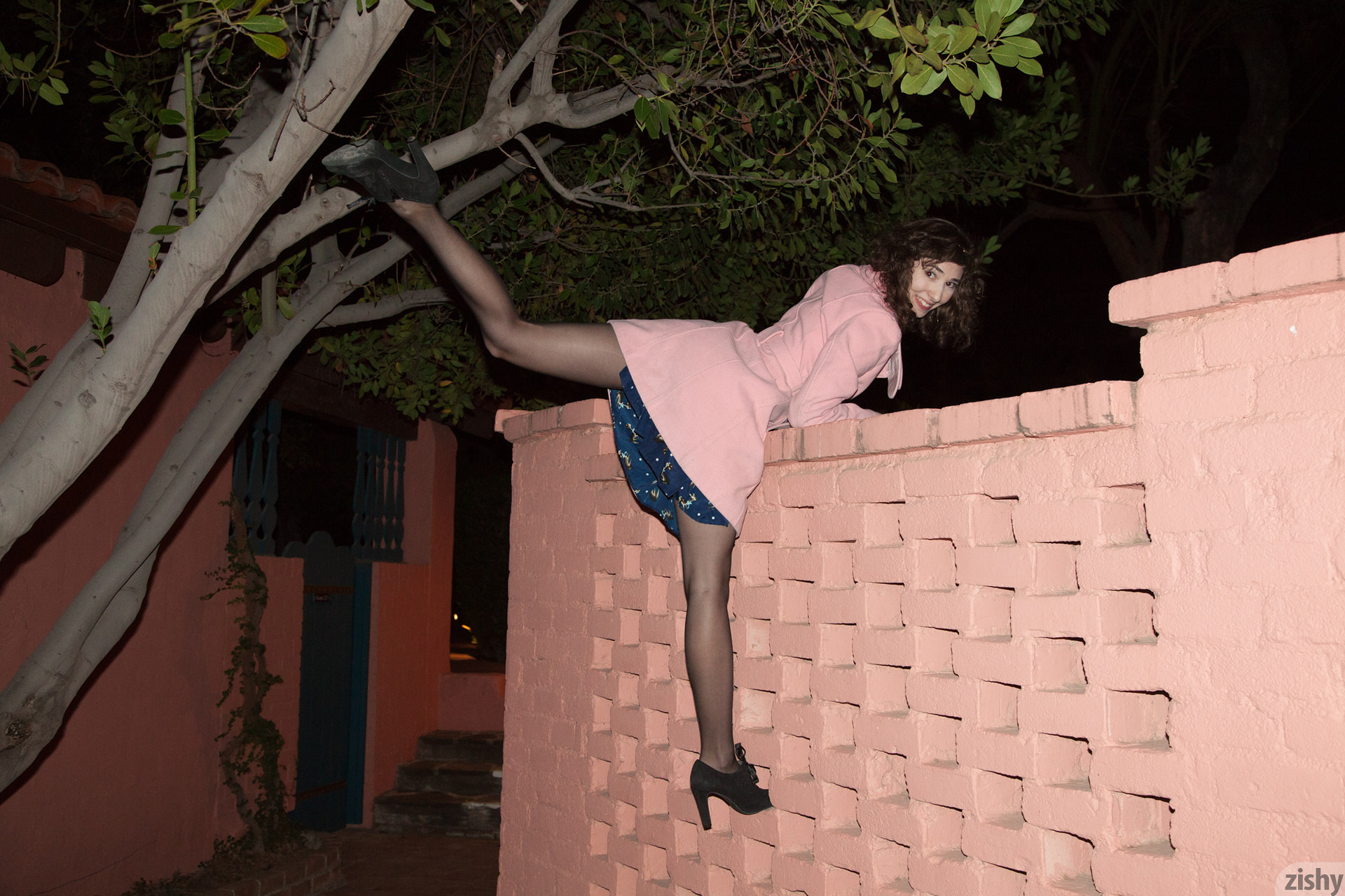 Yvette Nolot At Arizona Inn Zishy (49)