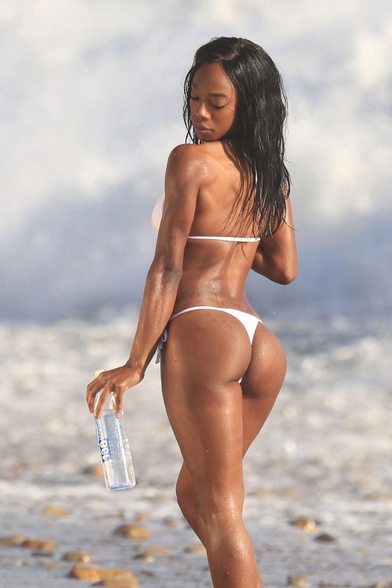 Adrianne Nina Sexy 0004