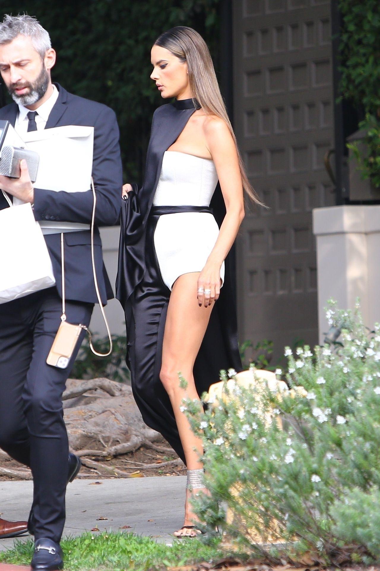 Alessandra Ambrosio Looks Stunning Ahead Of The Grammys 0015