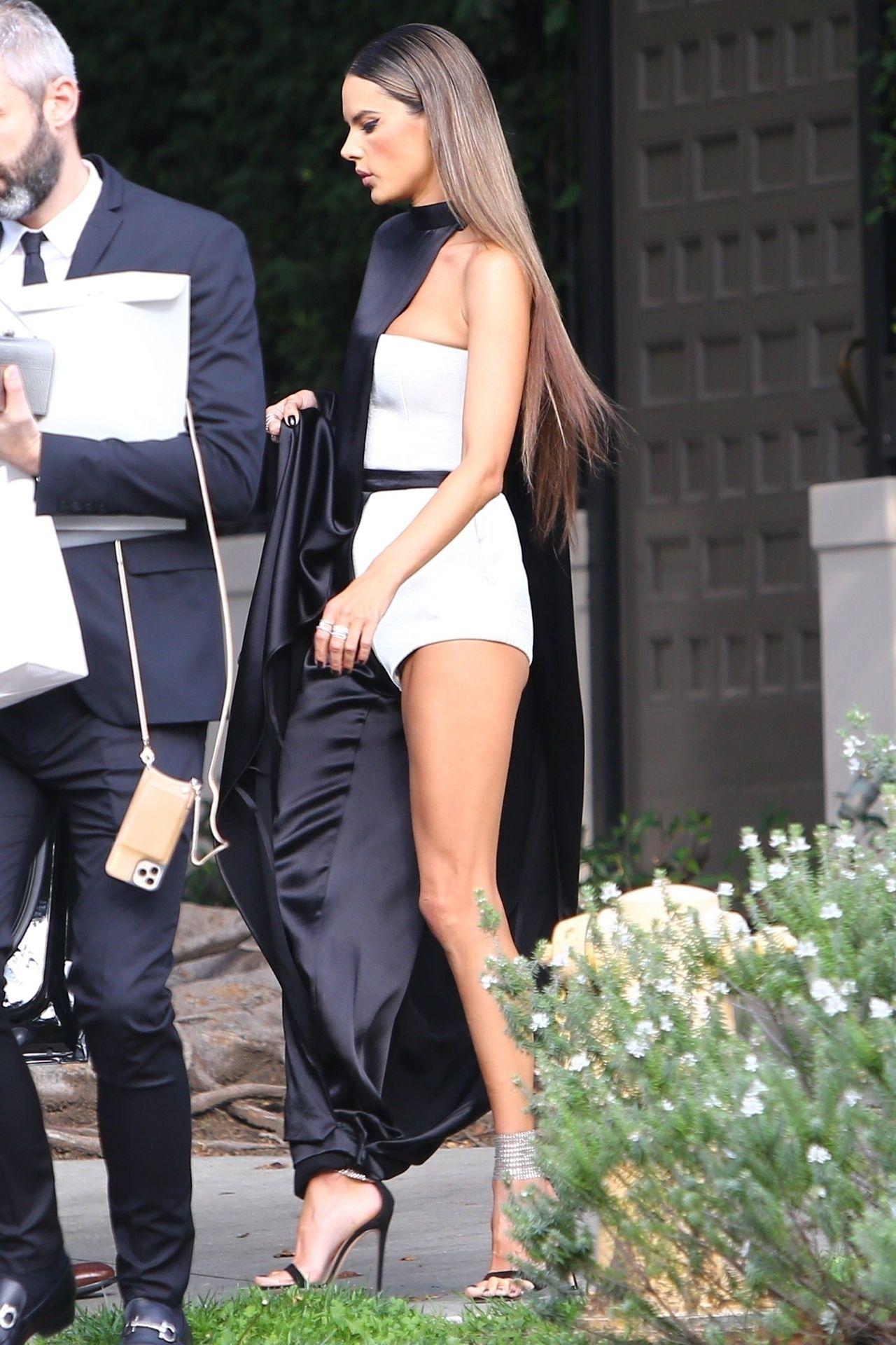 Alessandra Ambrosio Looks Stunning Ahead Of The Grammys 0016
