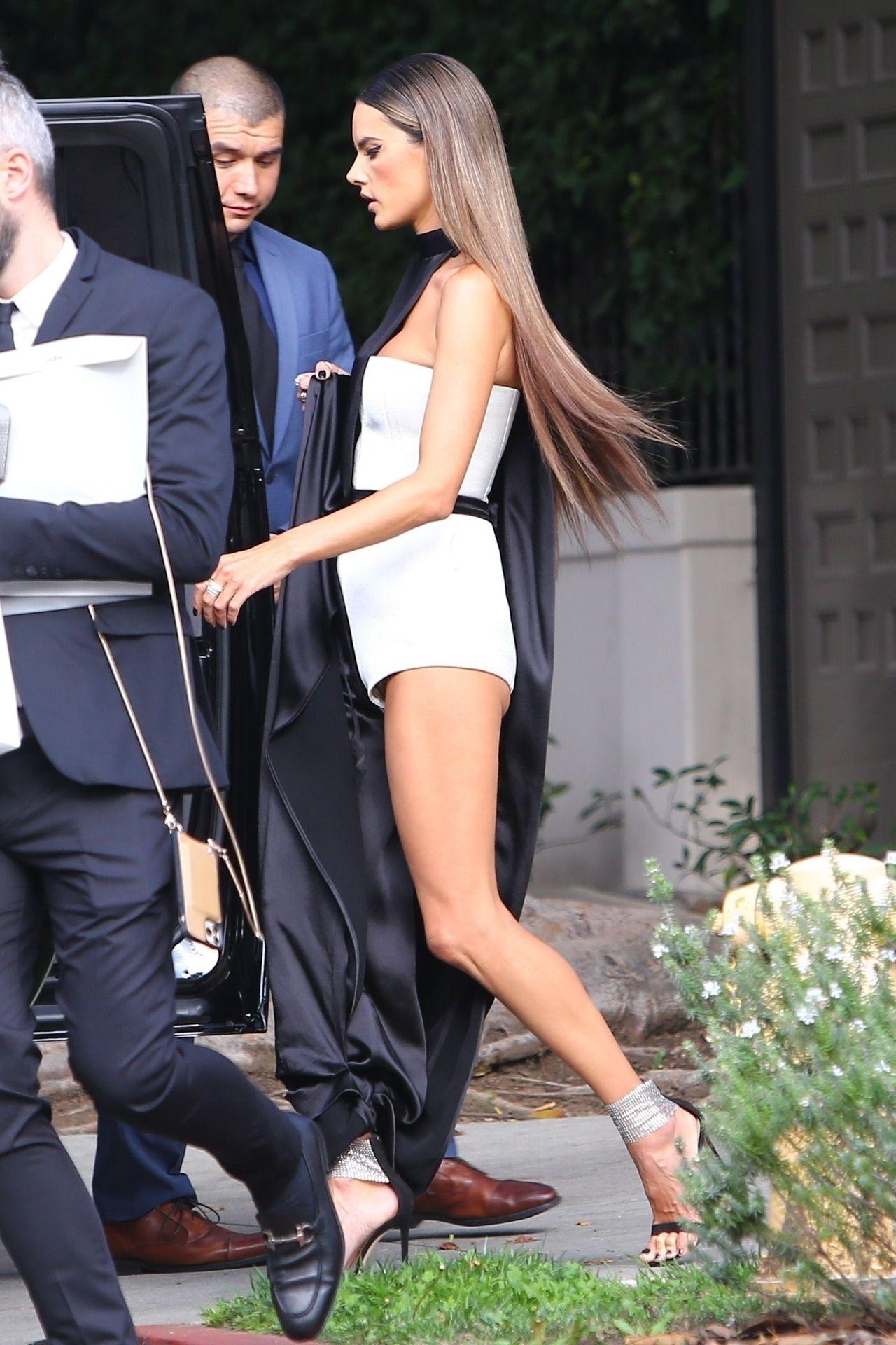 Alessandra Ambrosio Looks Stunning Ahead Of The Grammys 0018