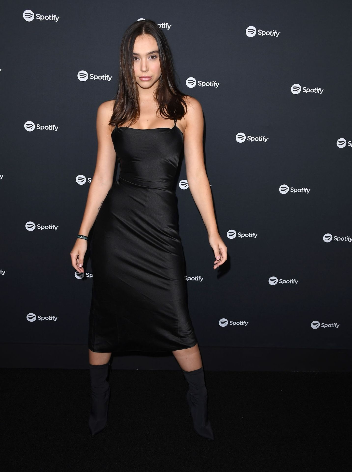 Alexis Ren Shows Off Her Tits At The Spotify Best New Artist Party 0005