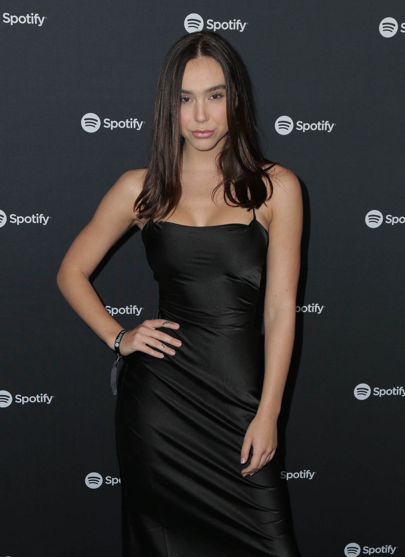 Alexis Ren Shows Off Her Tits At The Spotify Best New Artist Party 0007