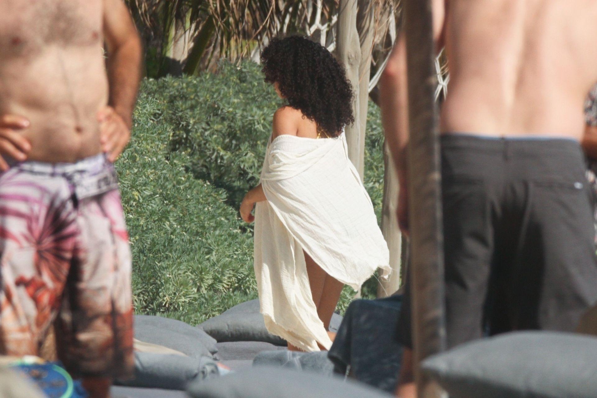 Alisha Wainwright Enjoys A Sun Filled Getaway In Tulum 0008