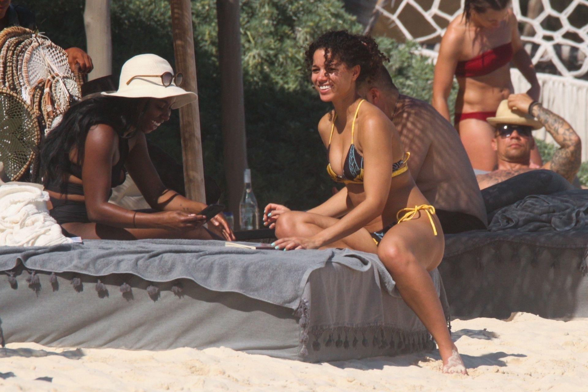 Alisha Wainwright Enjoys A Sun Filled Getaway In Tulum 0051