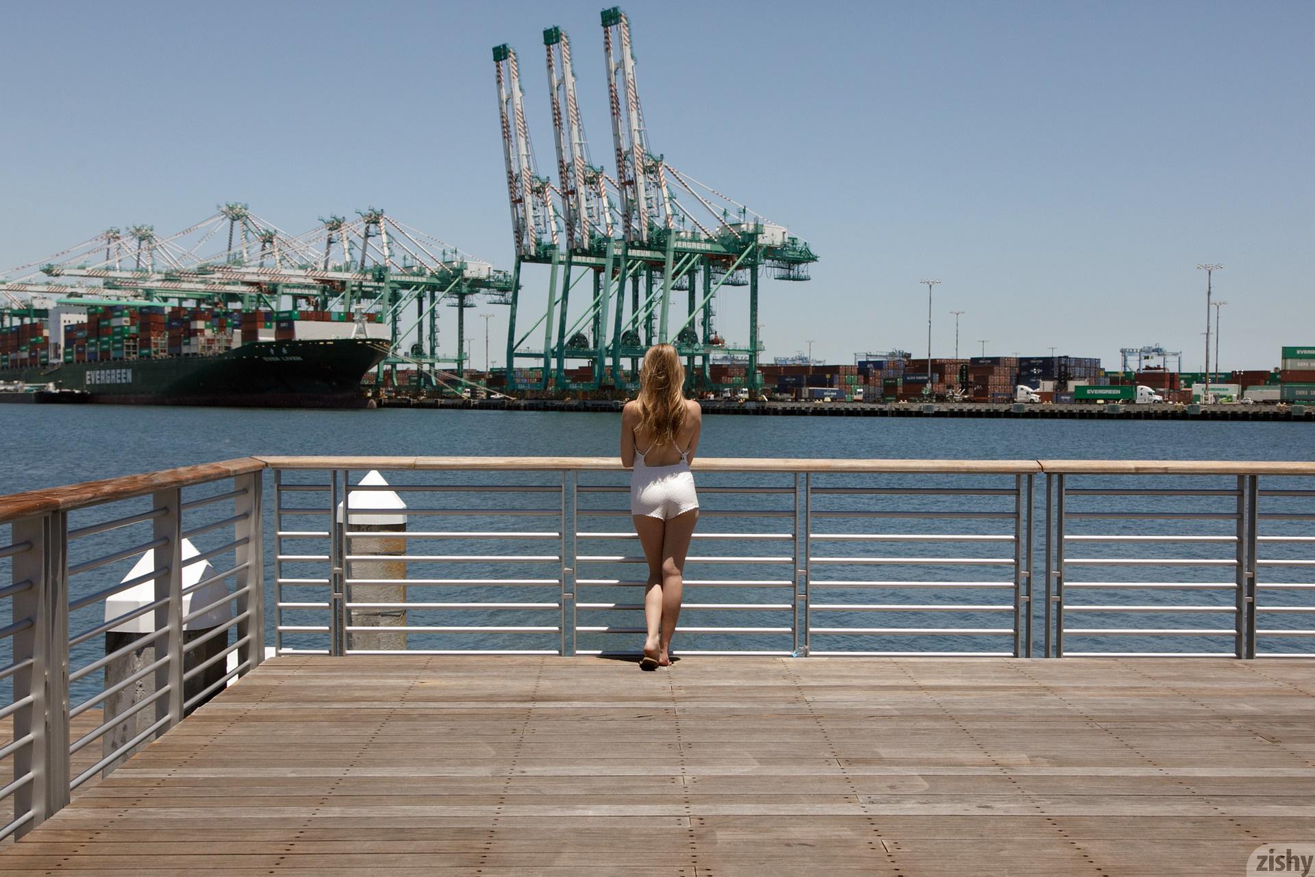 Ashley Lane Terminal Island Zishy (26)