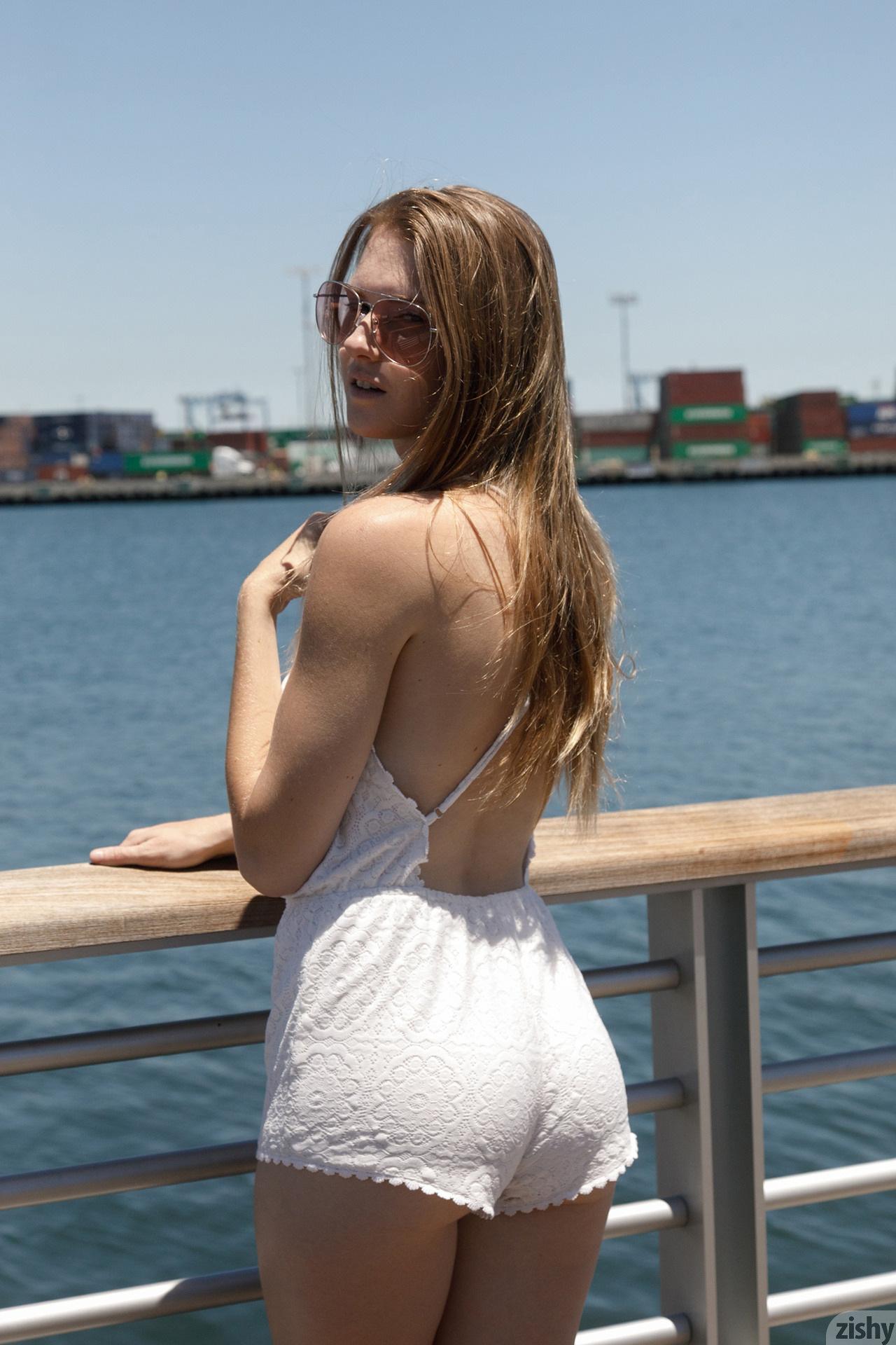 Ashley Lane Terminal Island Zishy (30)