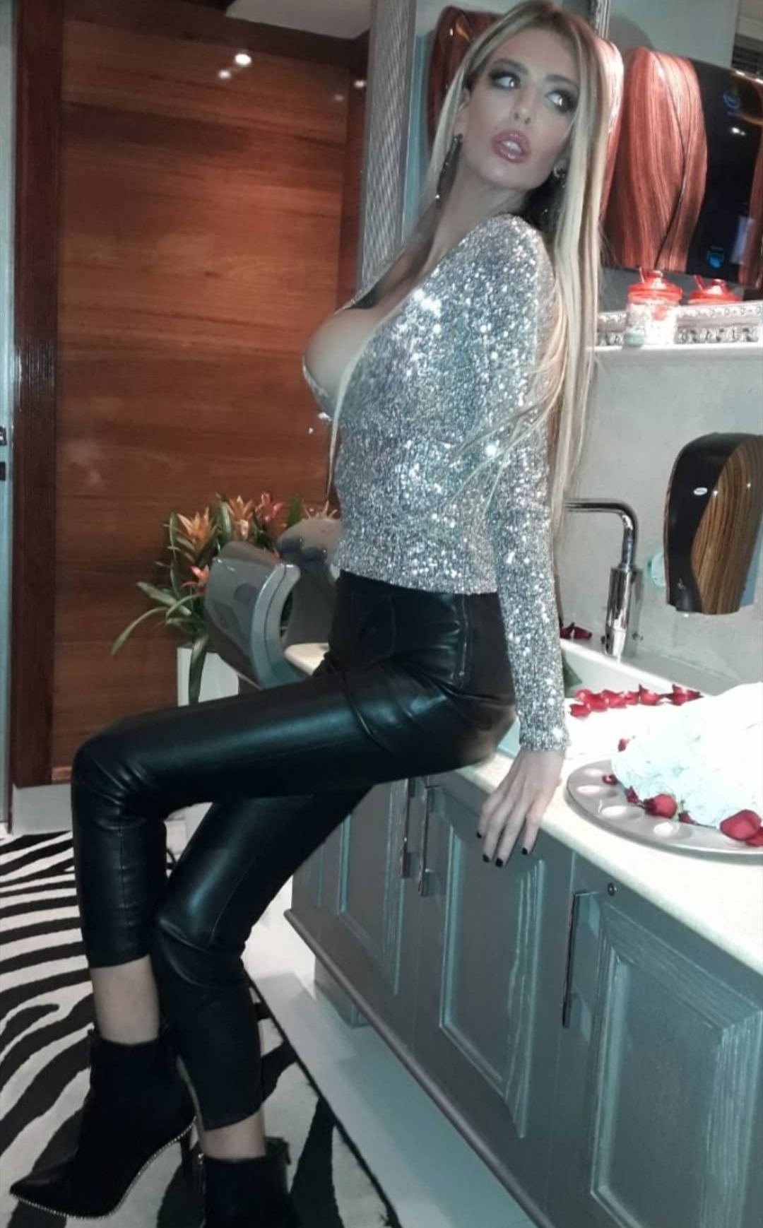 Ava Karabatić Nude & Sexy Leaked 0002