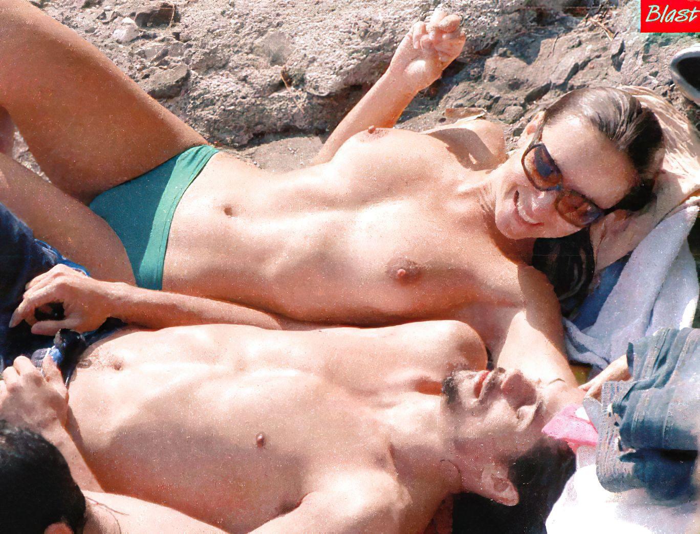 Camila Raznovich Nude & Sexy 0012