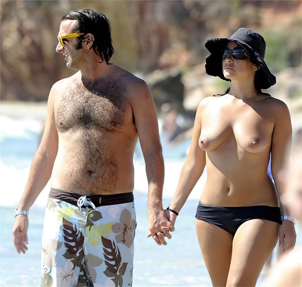 Camila Raznovich Nude & Sexy 0036
