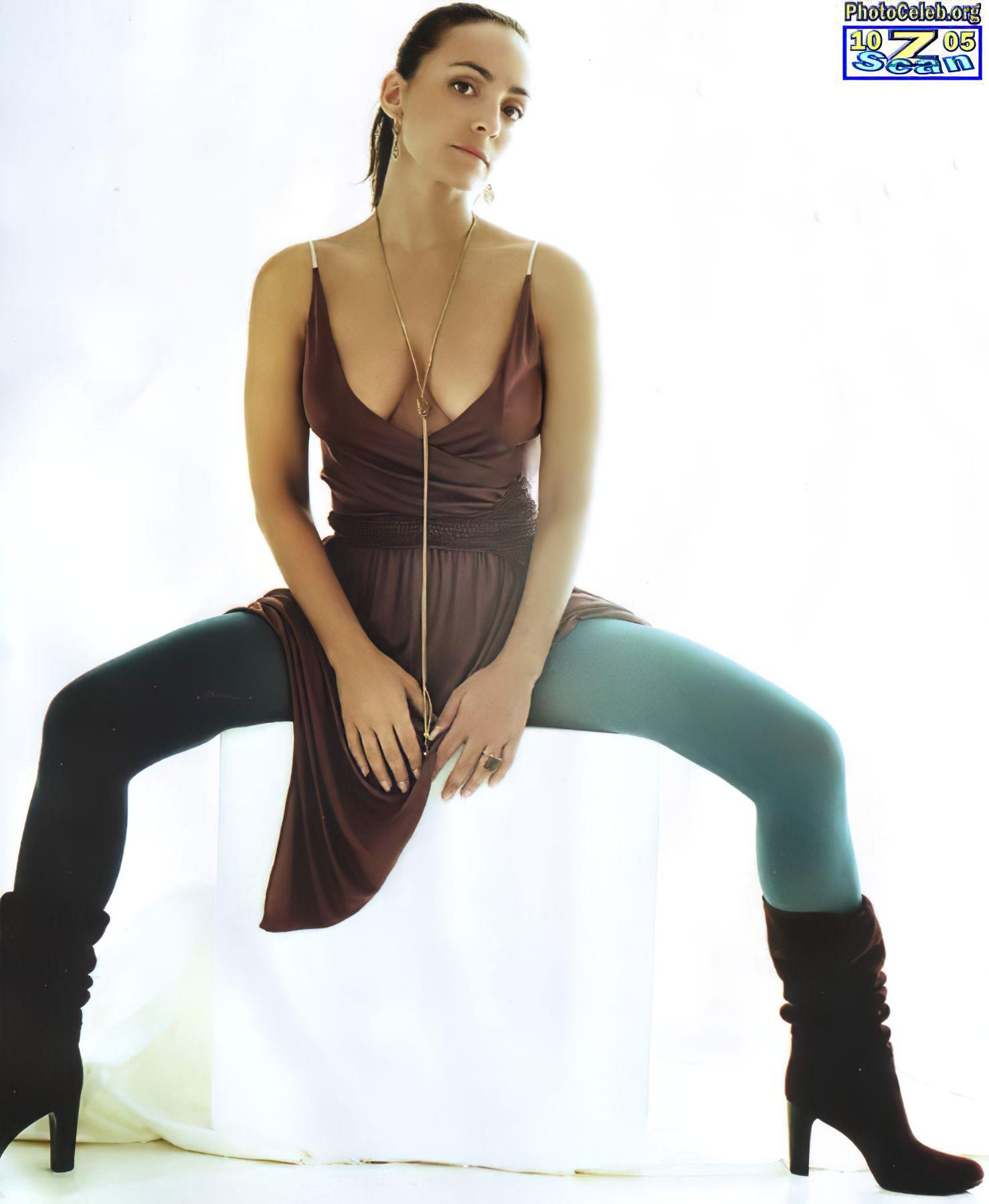 Camila Raznovich Nude & Sexy 0039
