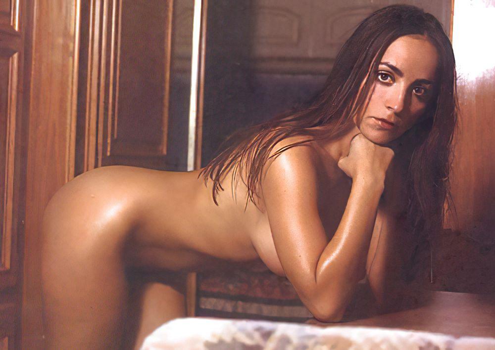 Camila Raznovich Nude & Sexy 0050