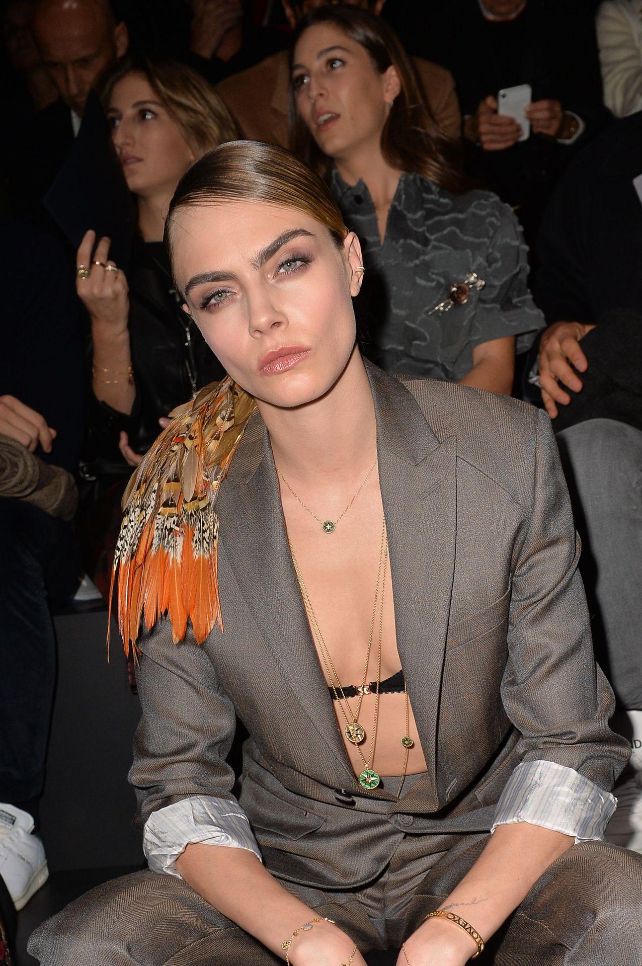 Cara Delevingne's Nipple Peek In A Bra 0016