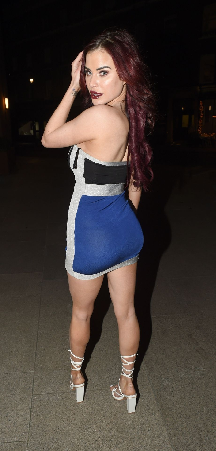 Carla Howe Getting Cheeky On A Cold Night Out In London 0033