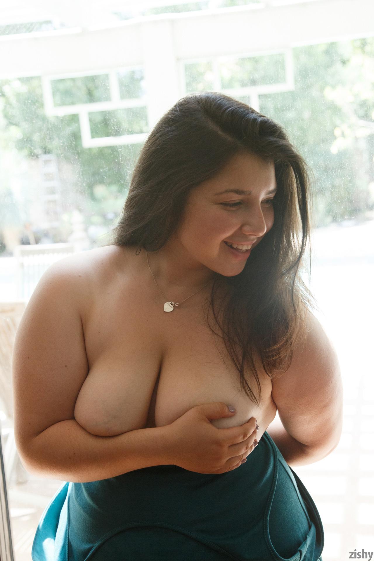 Carolina Munoz Hearts A Full Zishy (51)