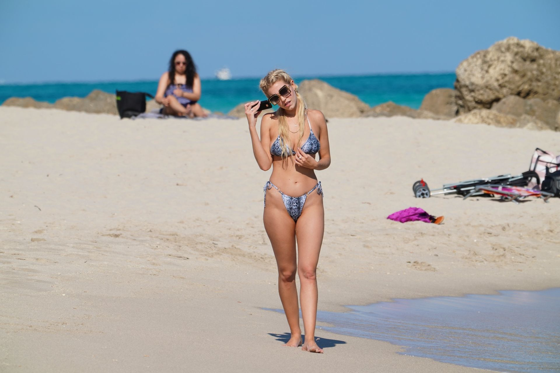 Chealse Sophia Howell Shows A Thong Bikini At The Beach In Miami 0015