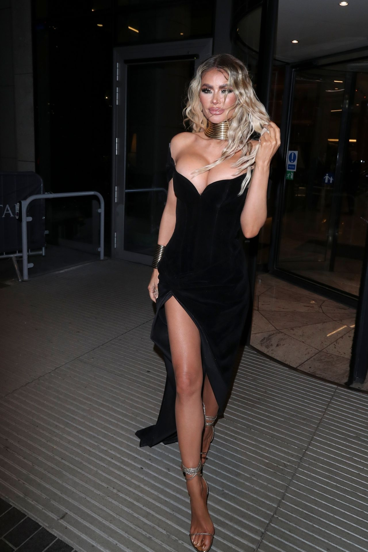 Chloe Sims Shows Off Her Boobs At The Nta Afterparty In London 0002