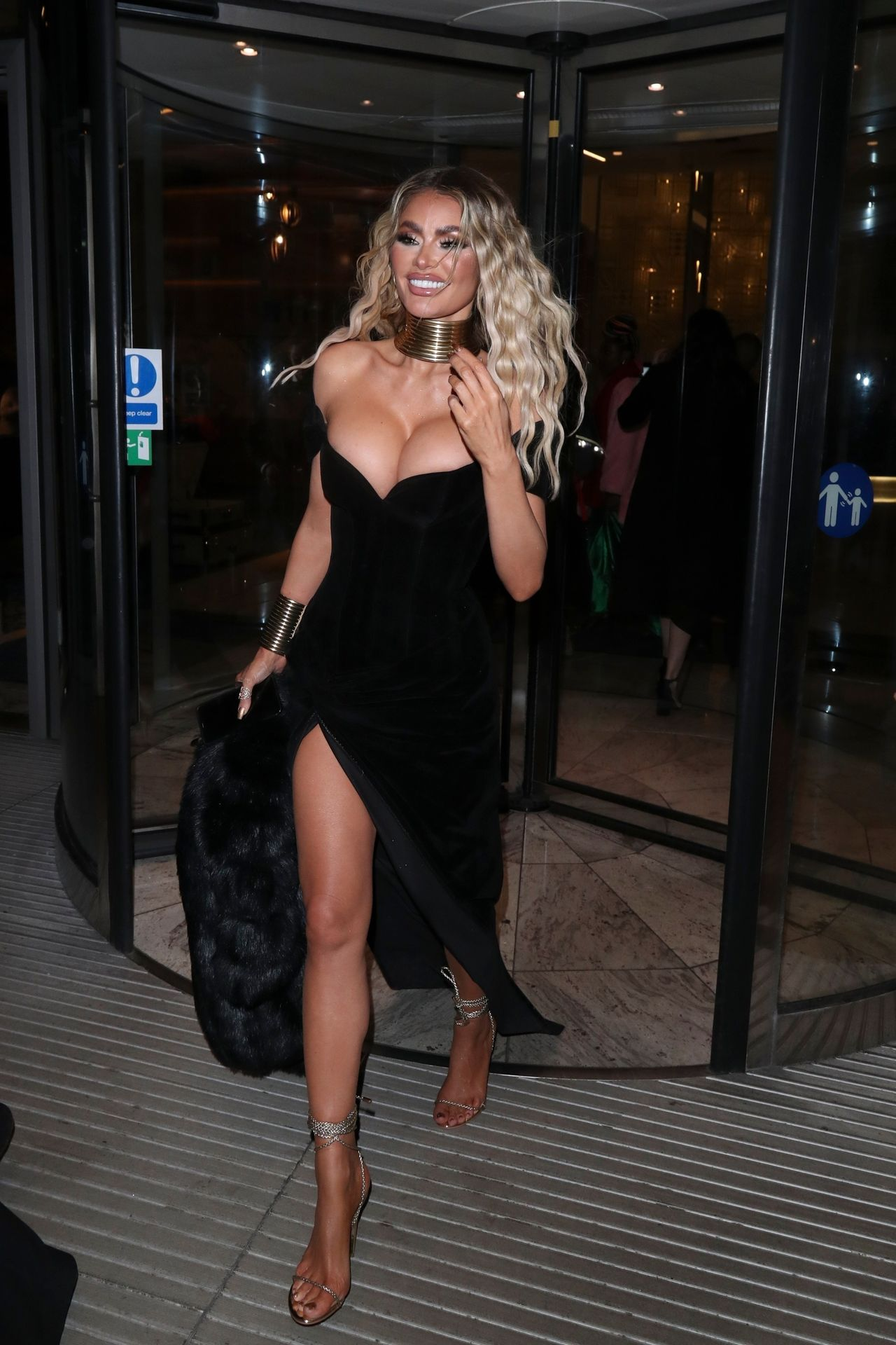 Chloe Sims Shows Off Her Boobs At The Nta Afterparty In London 0011