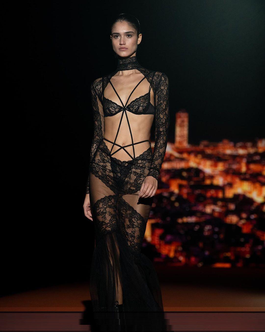 Claudia Martin's Tits At The Andres Sarda Fashion Show 0002