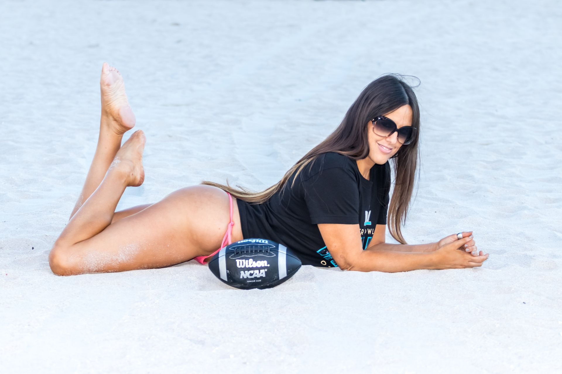 Claudia Romani Shows Off Her Butt For The Super Bowl 0008