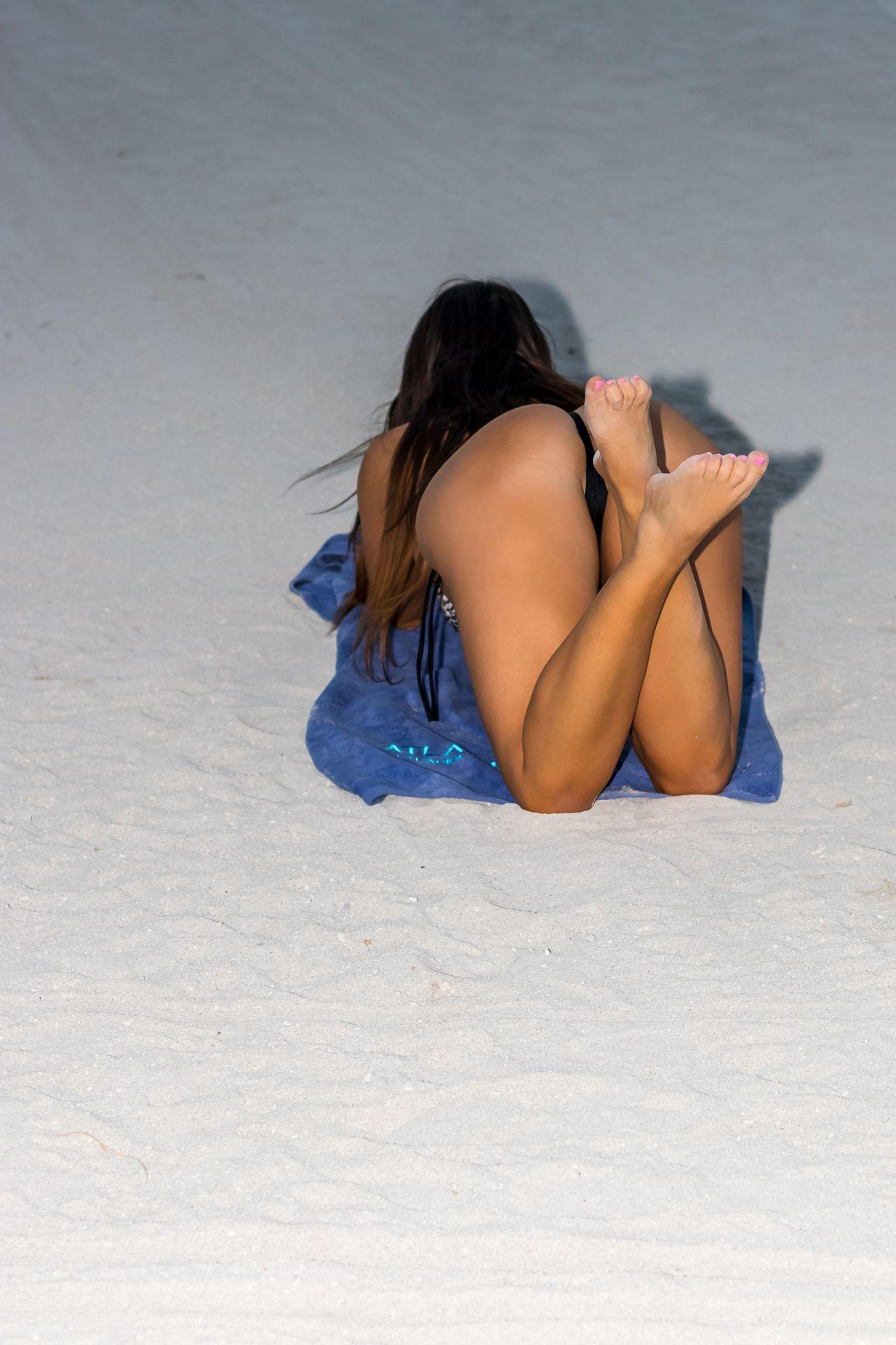 Claudia Romani Topless & Sexy 0013