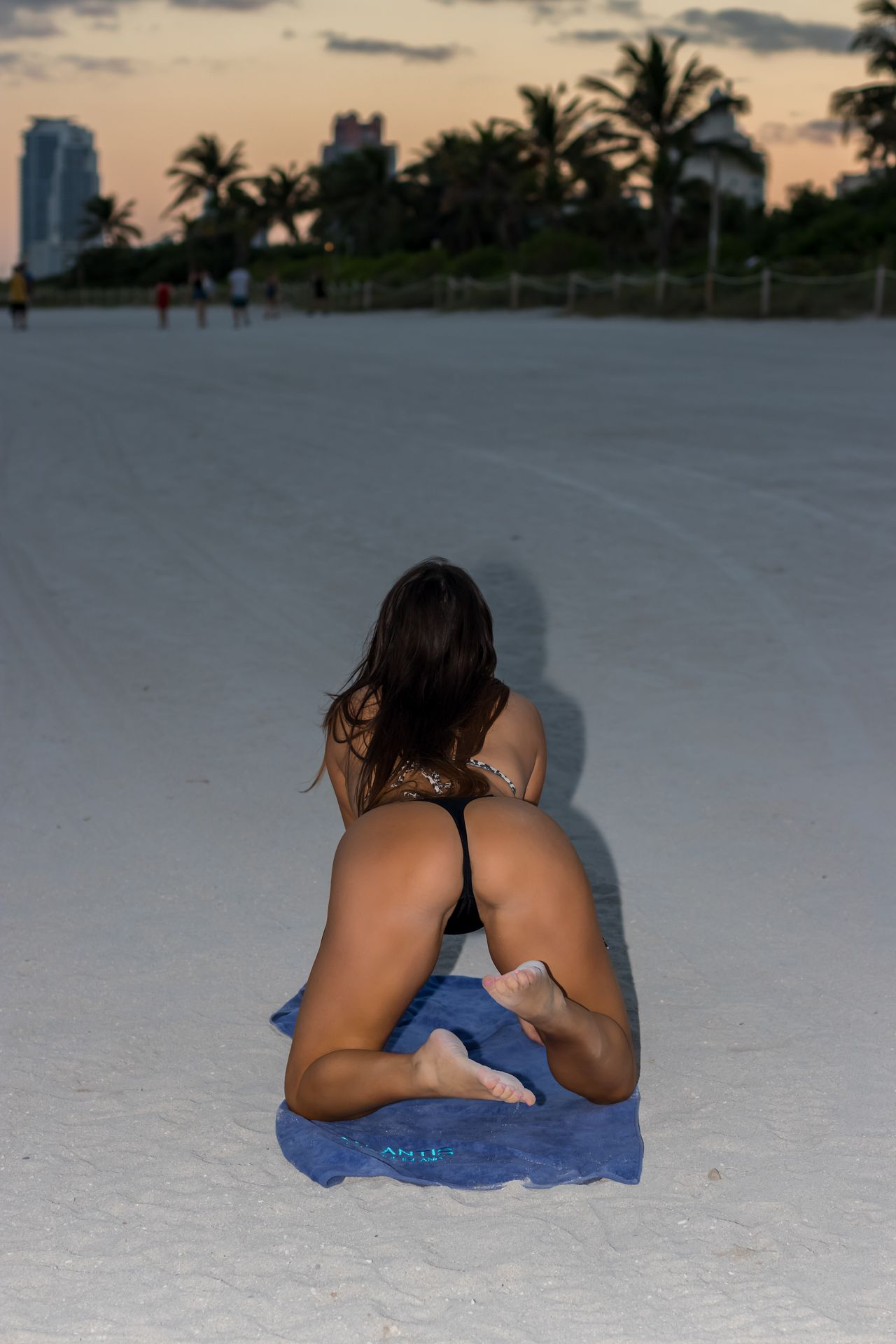 Claudia Romani Topless & Sexy 0015