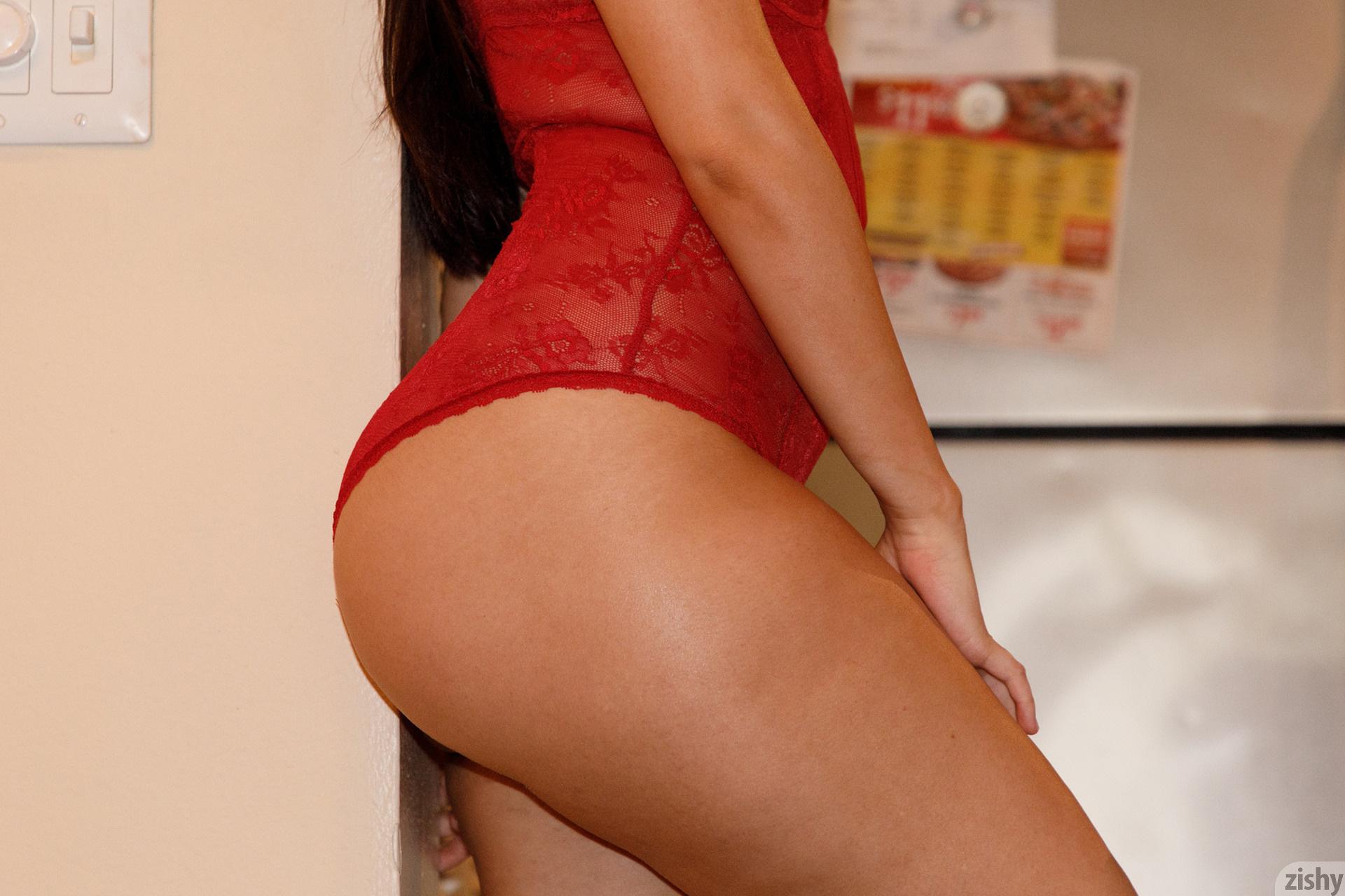 Eloisa Guerra Thirsty Little Devil Zishy (5)