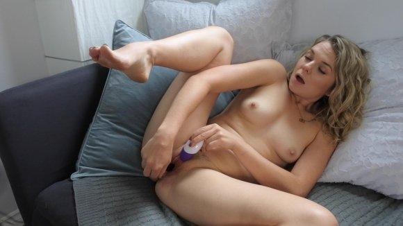 Ersties.com, Caireen In Action 2