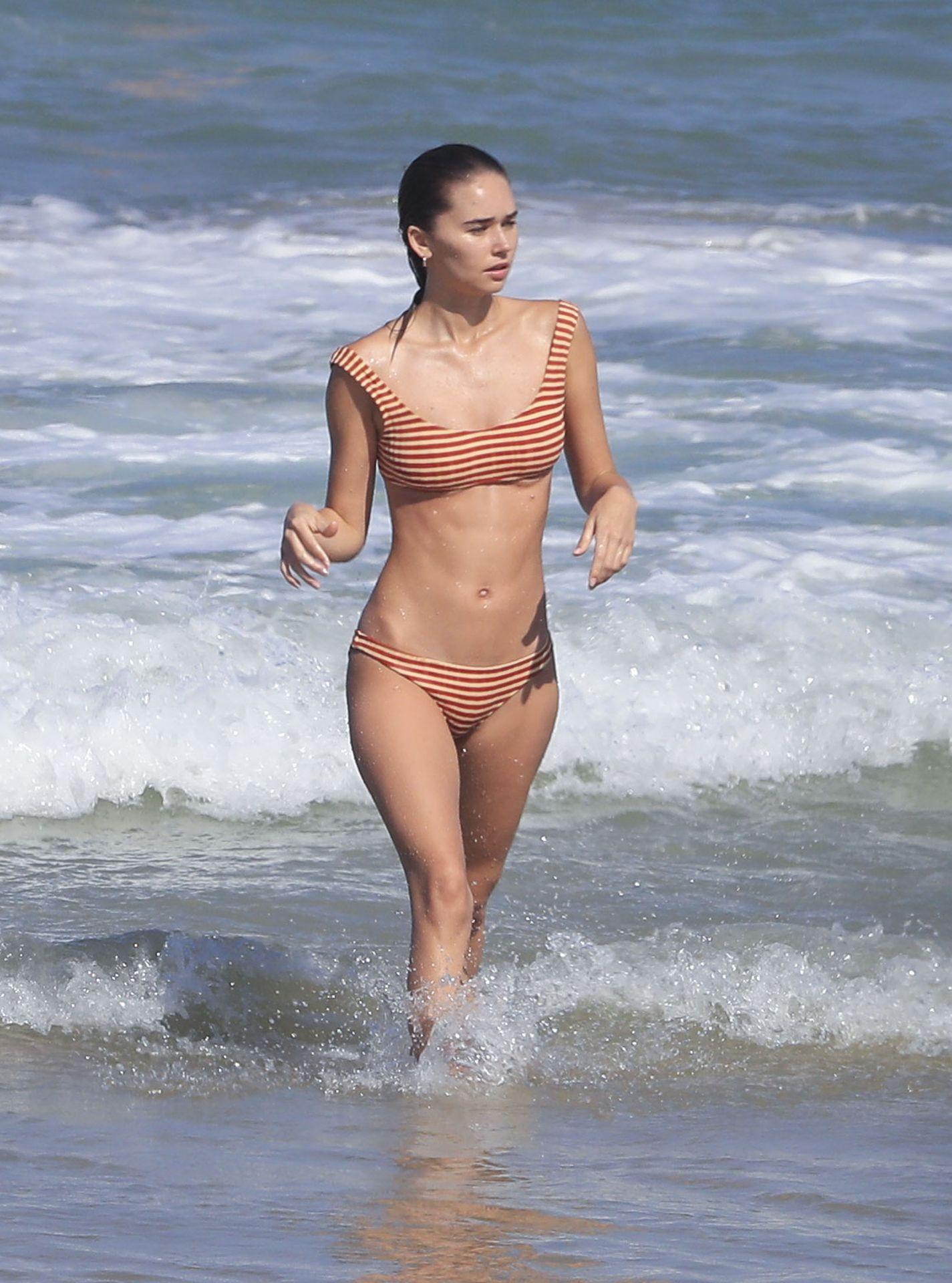Gabriella Brooks Hot – Liam Hemsworth's New Girlfriend 0038