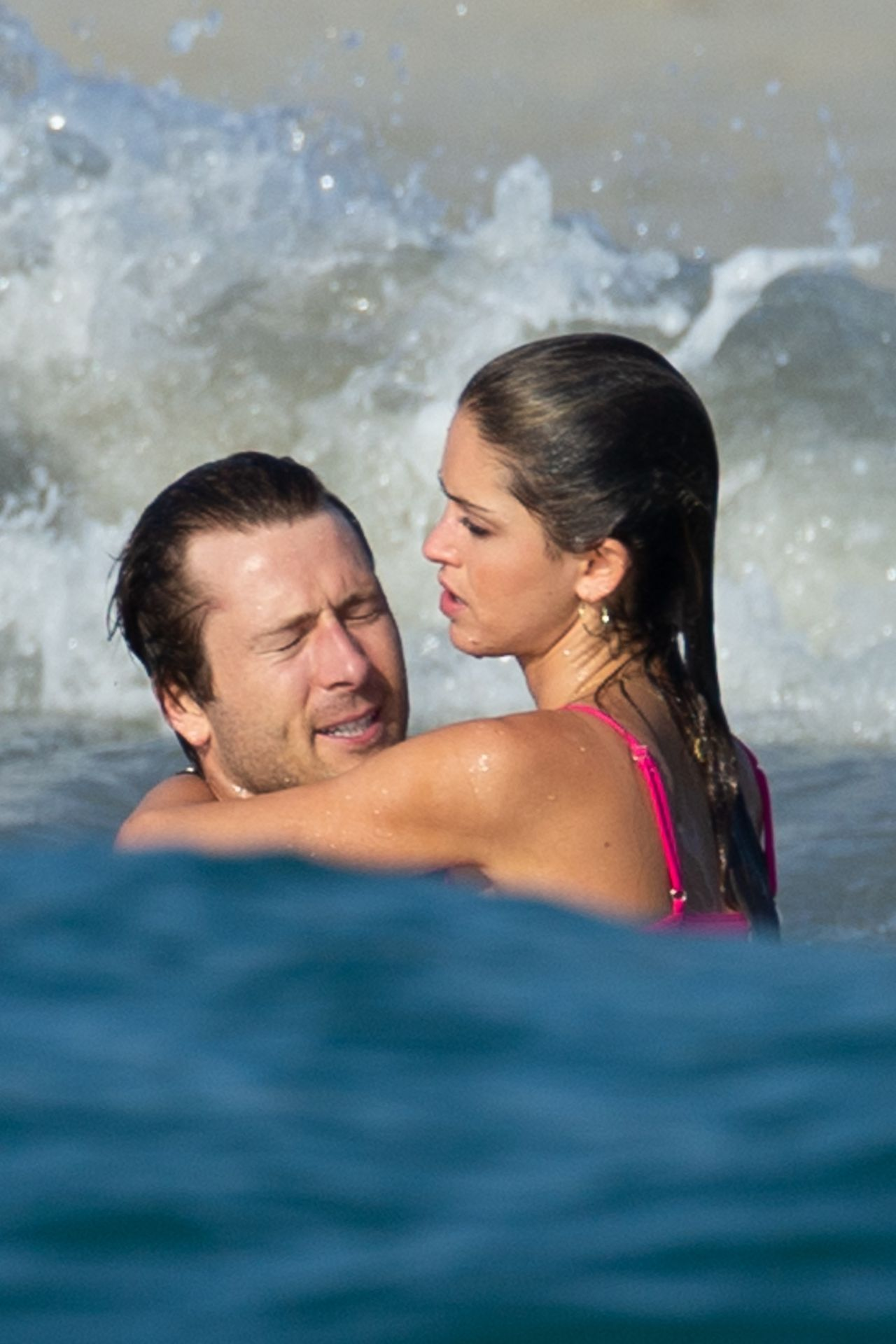 Glen Powell Packs On The Pda With Gigi Paris In Mexico 0011