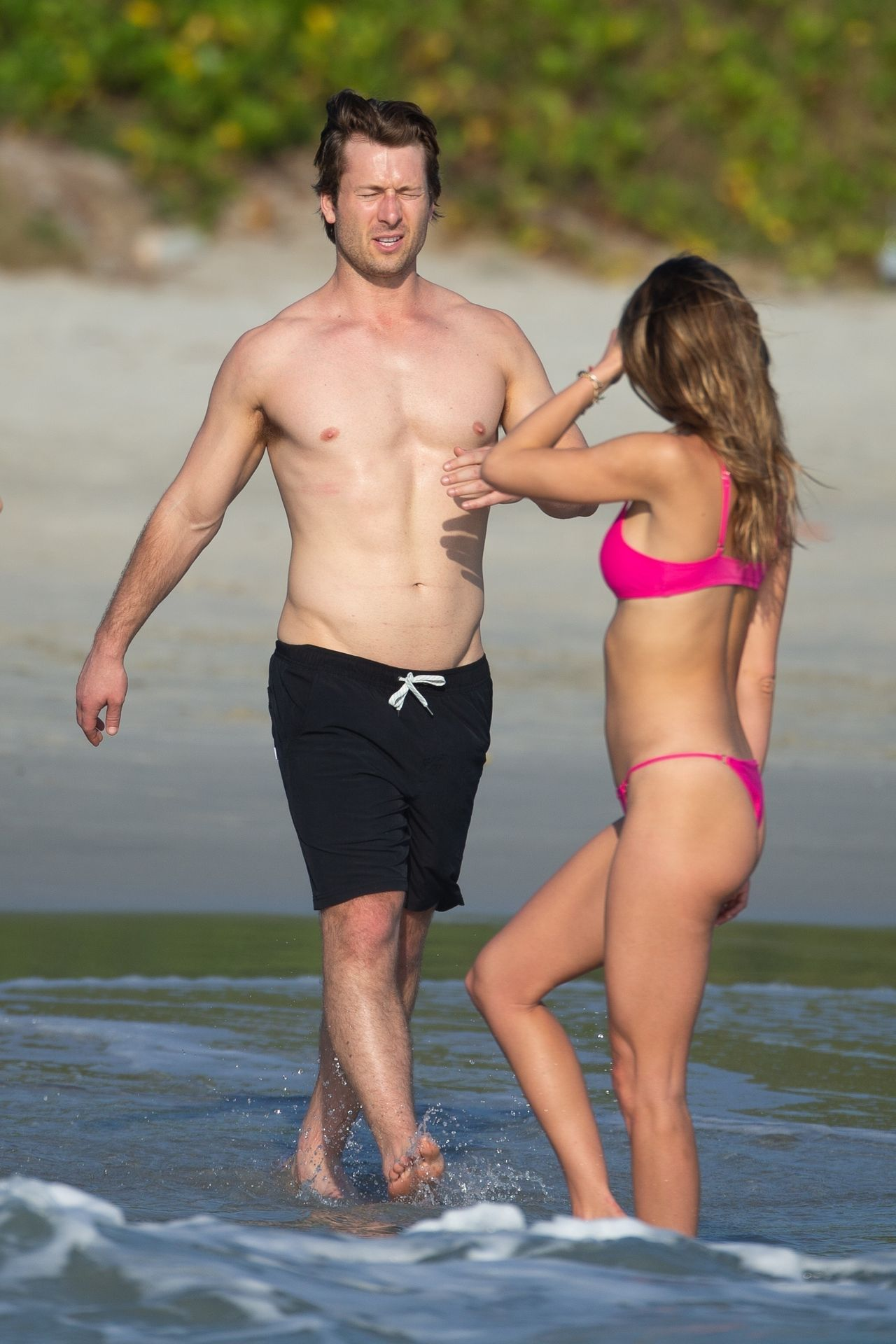 Glen Powell Packs On The Pda With Gigi Paris In Mexico 0013