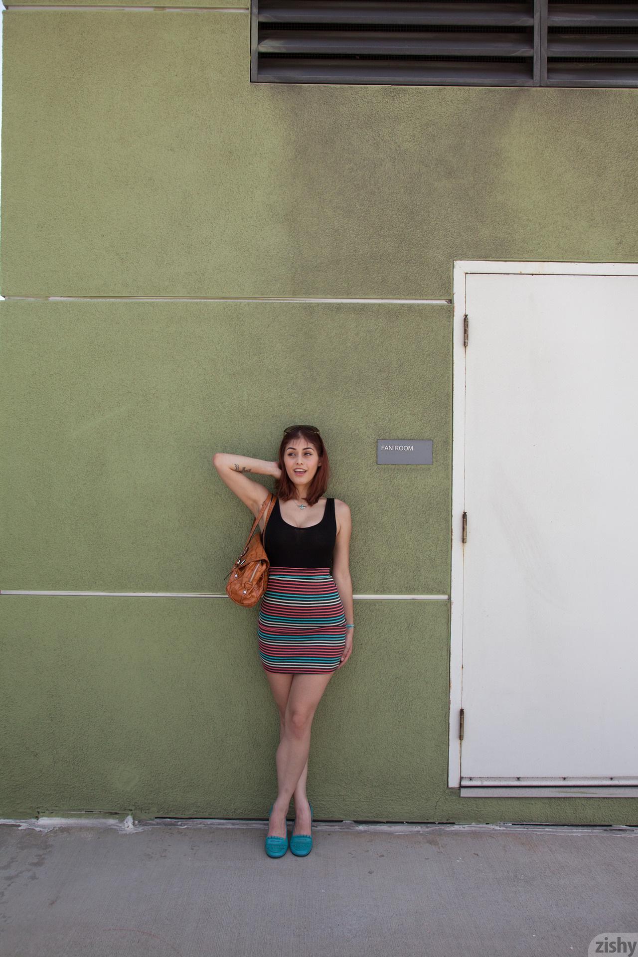 Helena De Sesa Without A Roof Zishy (40)