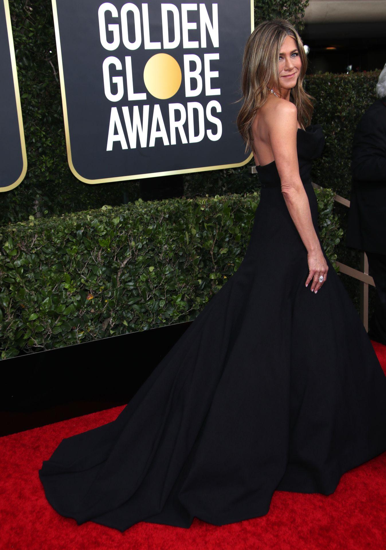 Jennifer Aniston Sexy 0011