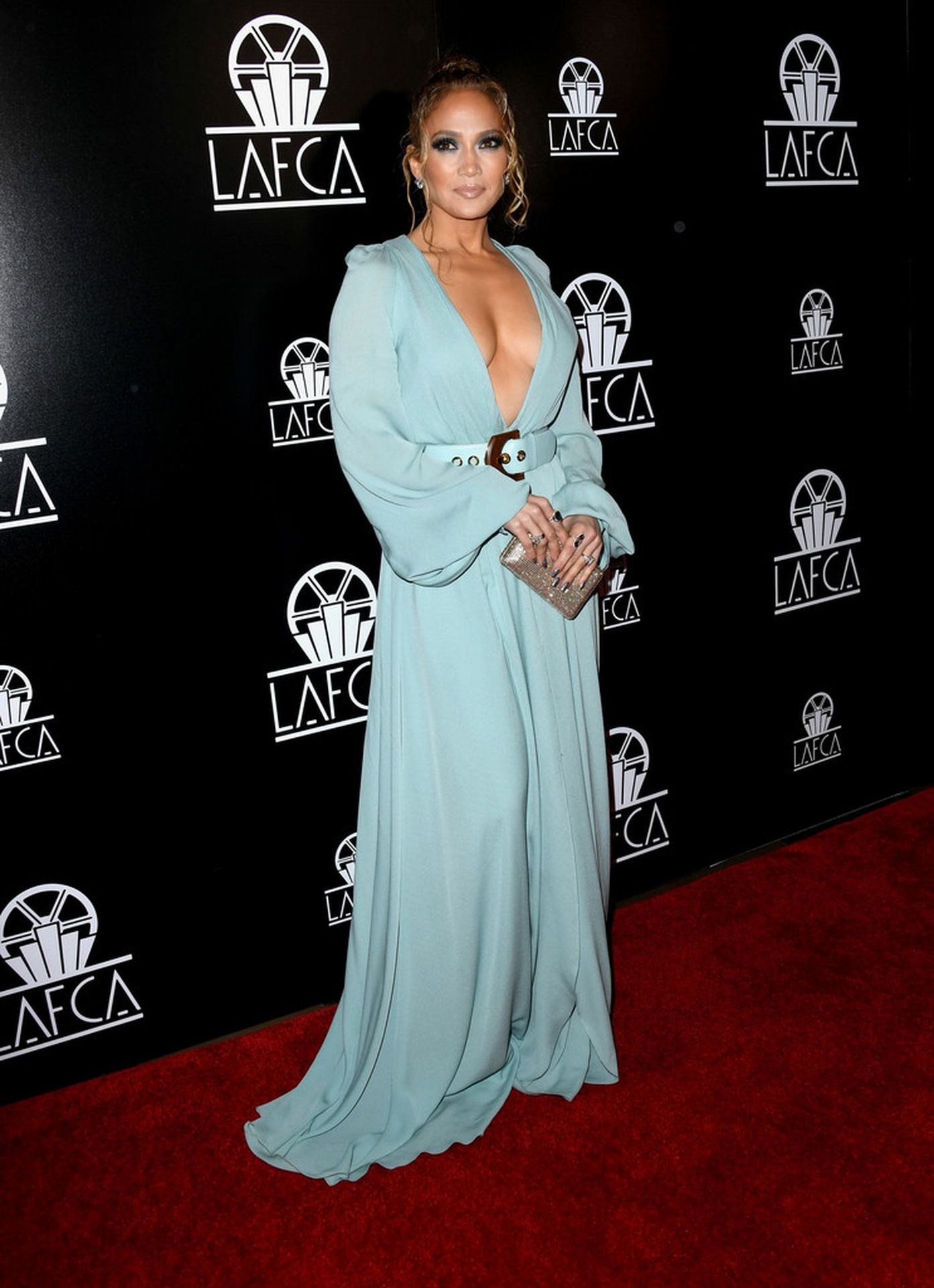 Jennifer Lopez Braless 0002