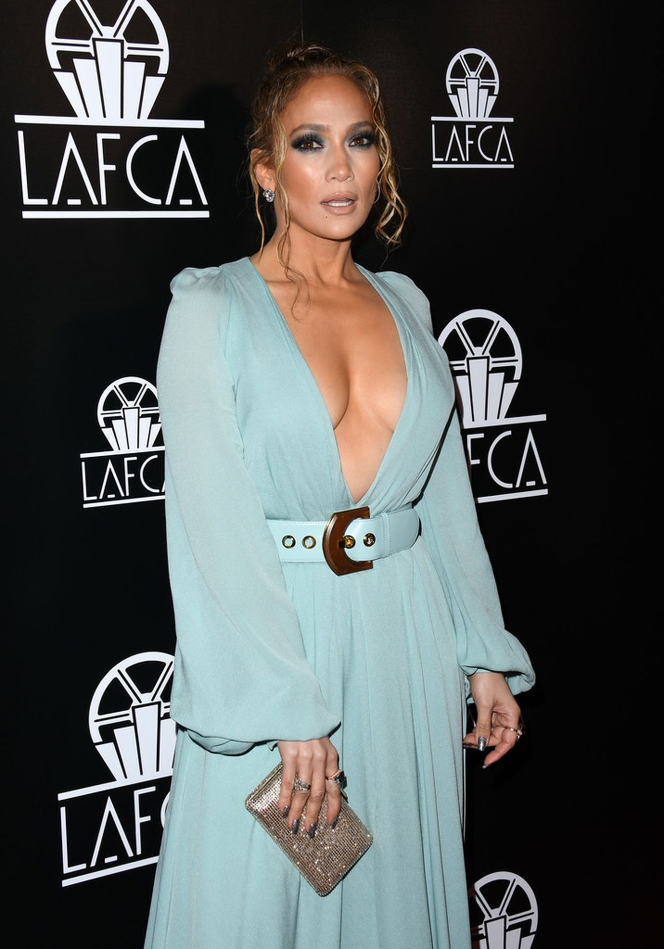 Jennifer Lopez Braless 0003