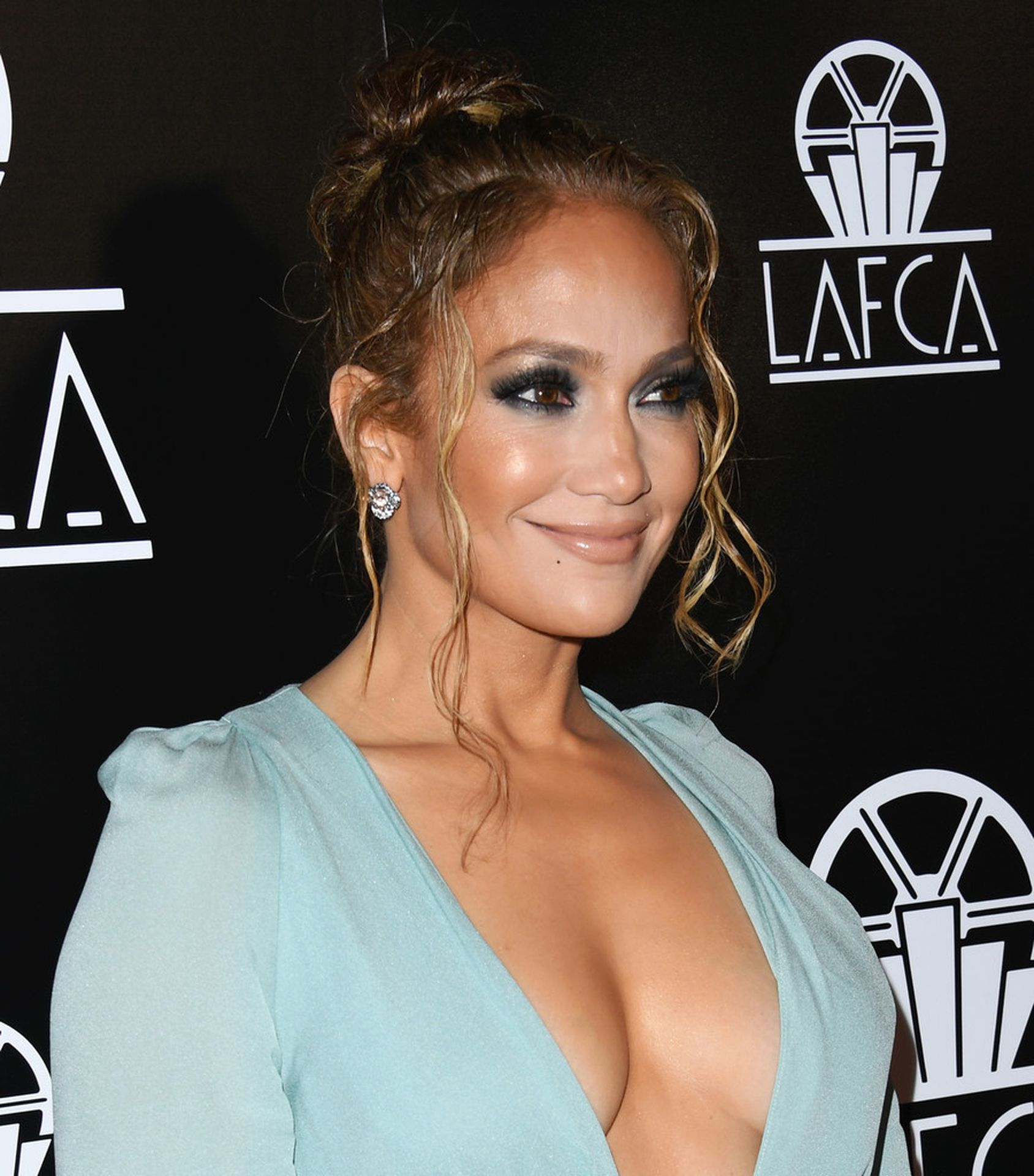 Jennifer Lopez Braless 0007