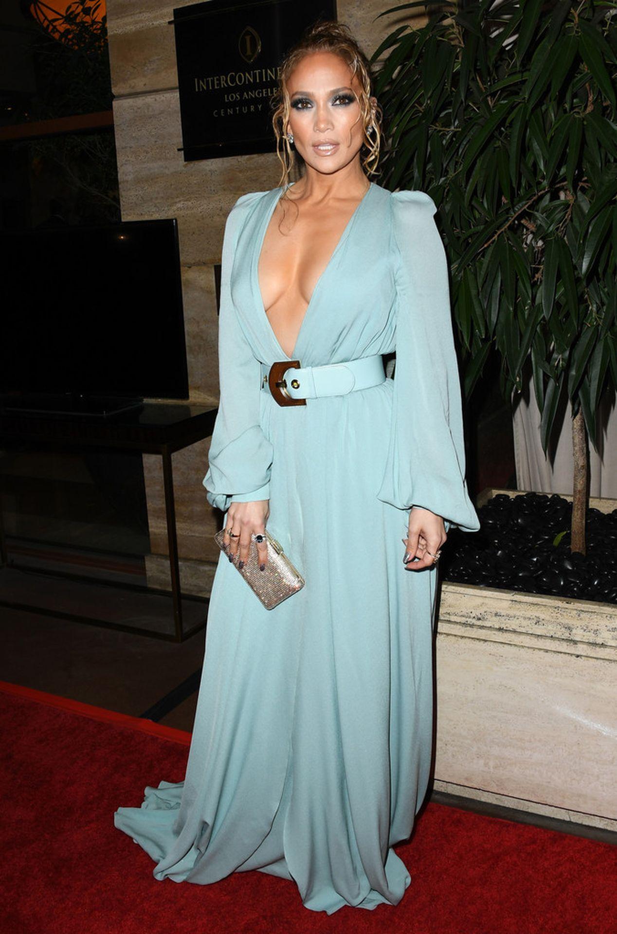 Jennifer Lopez Braless 0013