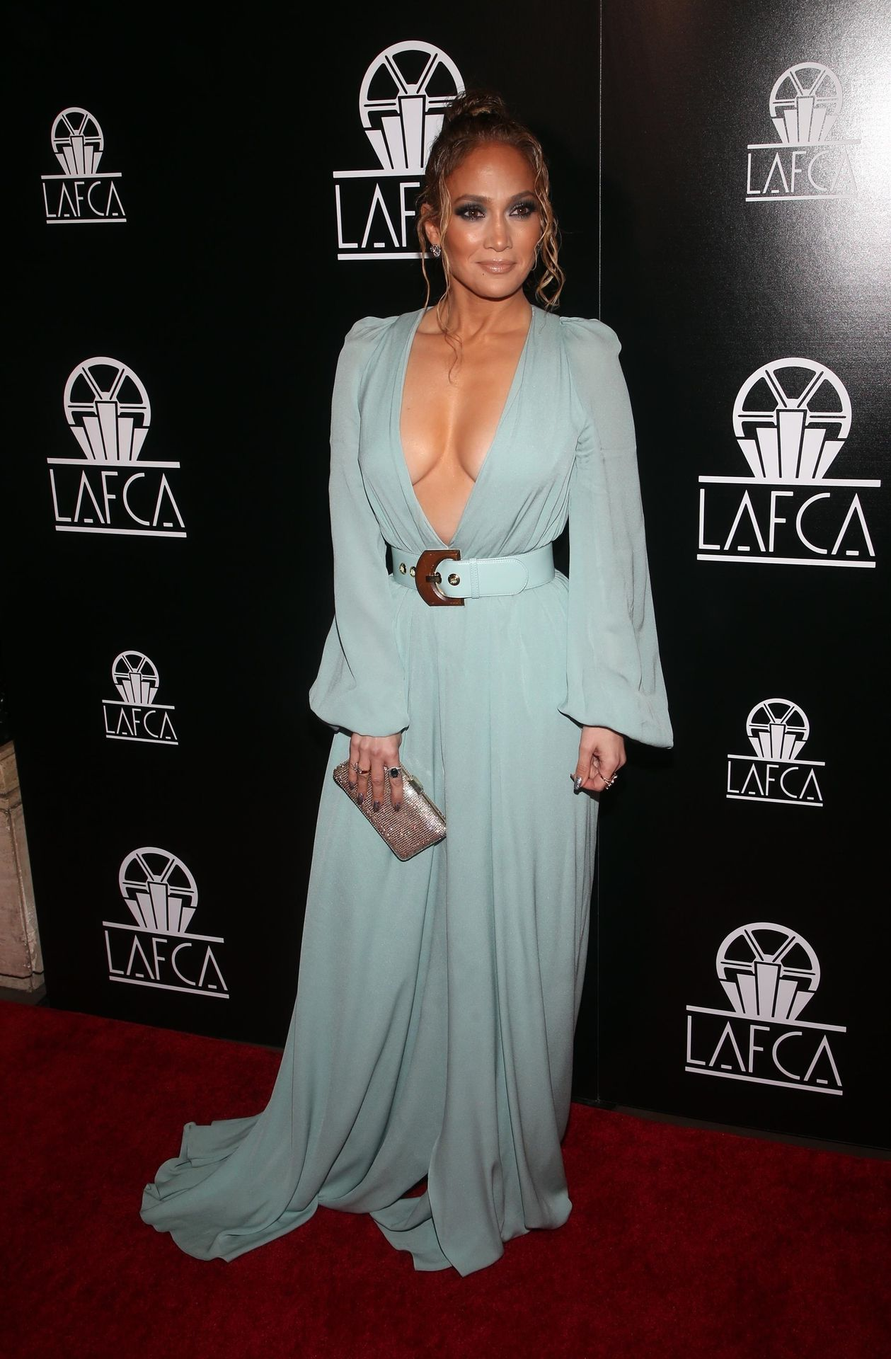 Jennifer Lopez Braless 0021