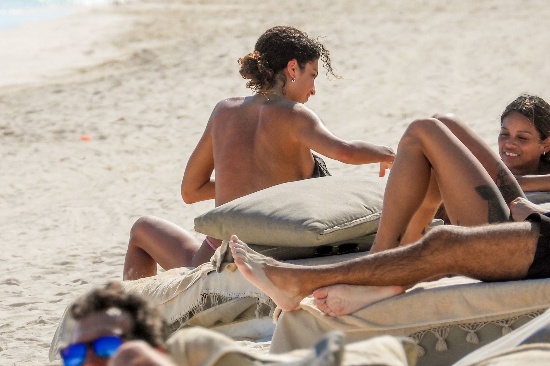 Jessica Aidi Tans In Tulum With Gal Pal Sethanie Taing 0017