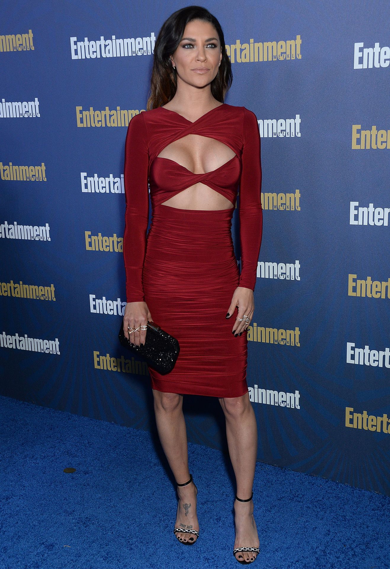 Jessica Szohr Shows Her Cleavage At The Entertainment Weekly Pre Sag Awards Celebration 0005