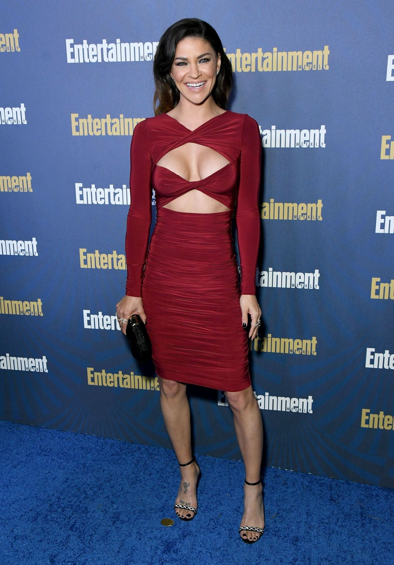 Jessica Szohr Shows Her Cleavage At The Entertainment Weekly Pre Sag Awards Celebration 0007
