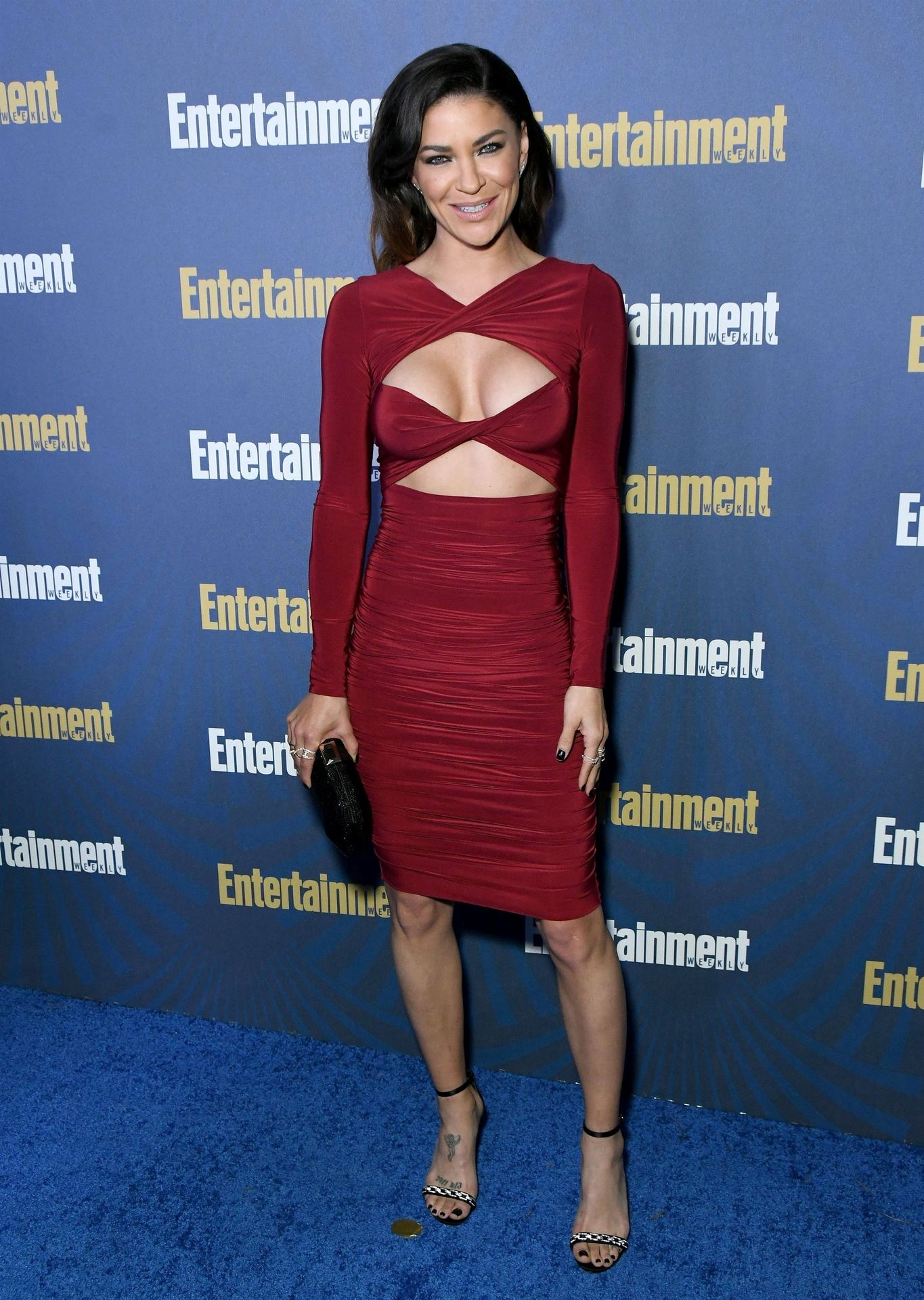 Jessica Szohr Shows Her Cleavage At The Entertainment Weekly Pre Sag Awards Celebration 0008