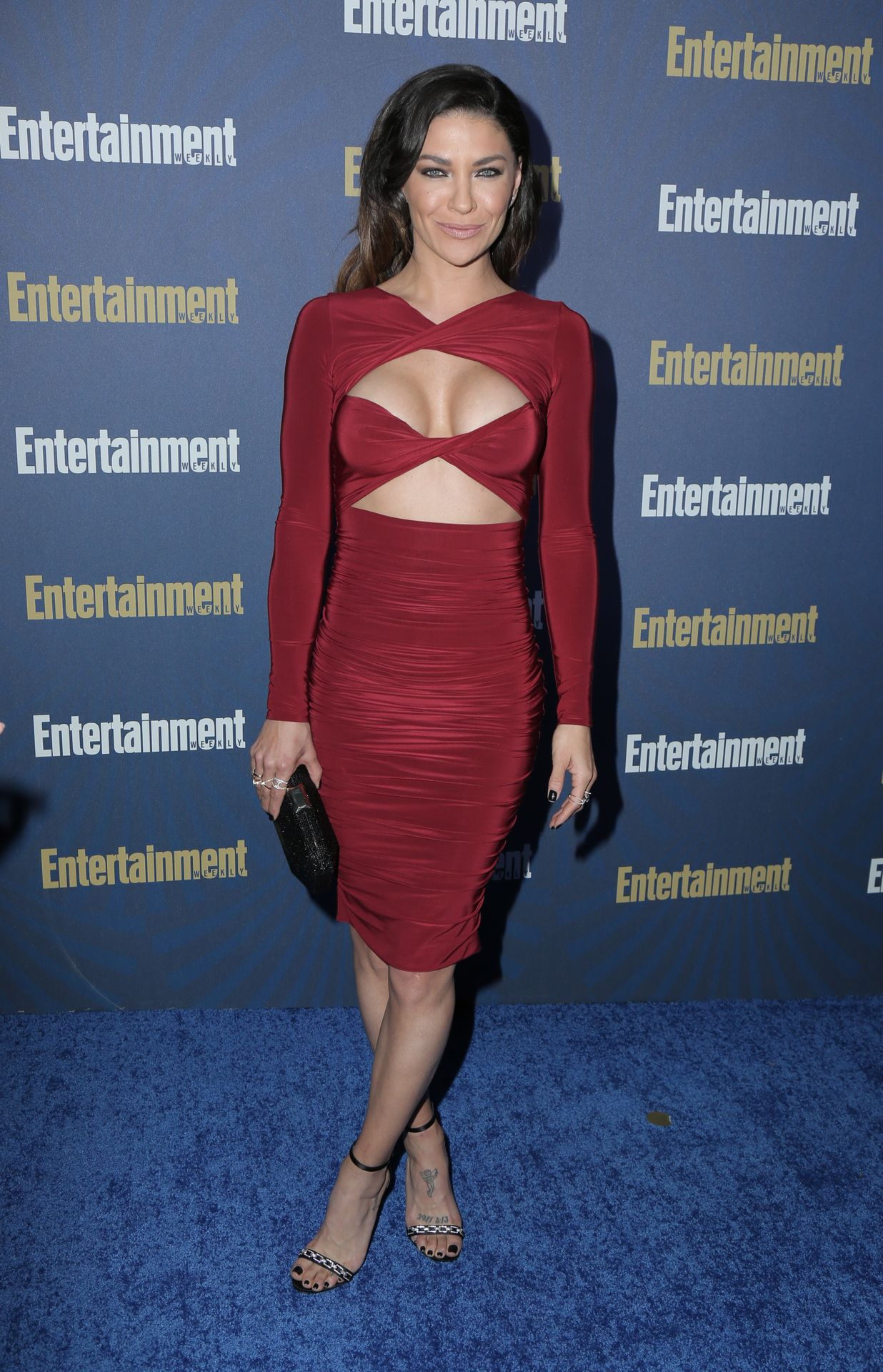 Jessica Szohr Shows Her Cleavage At The Entertainment Weekly Pre Sag Awards Celebration 0010