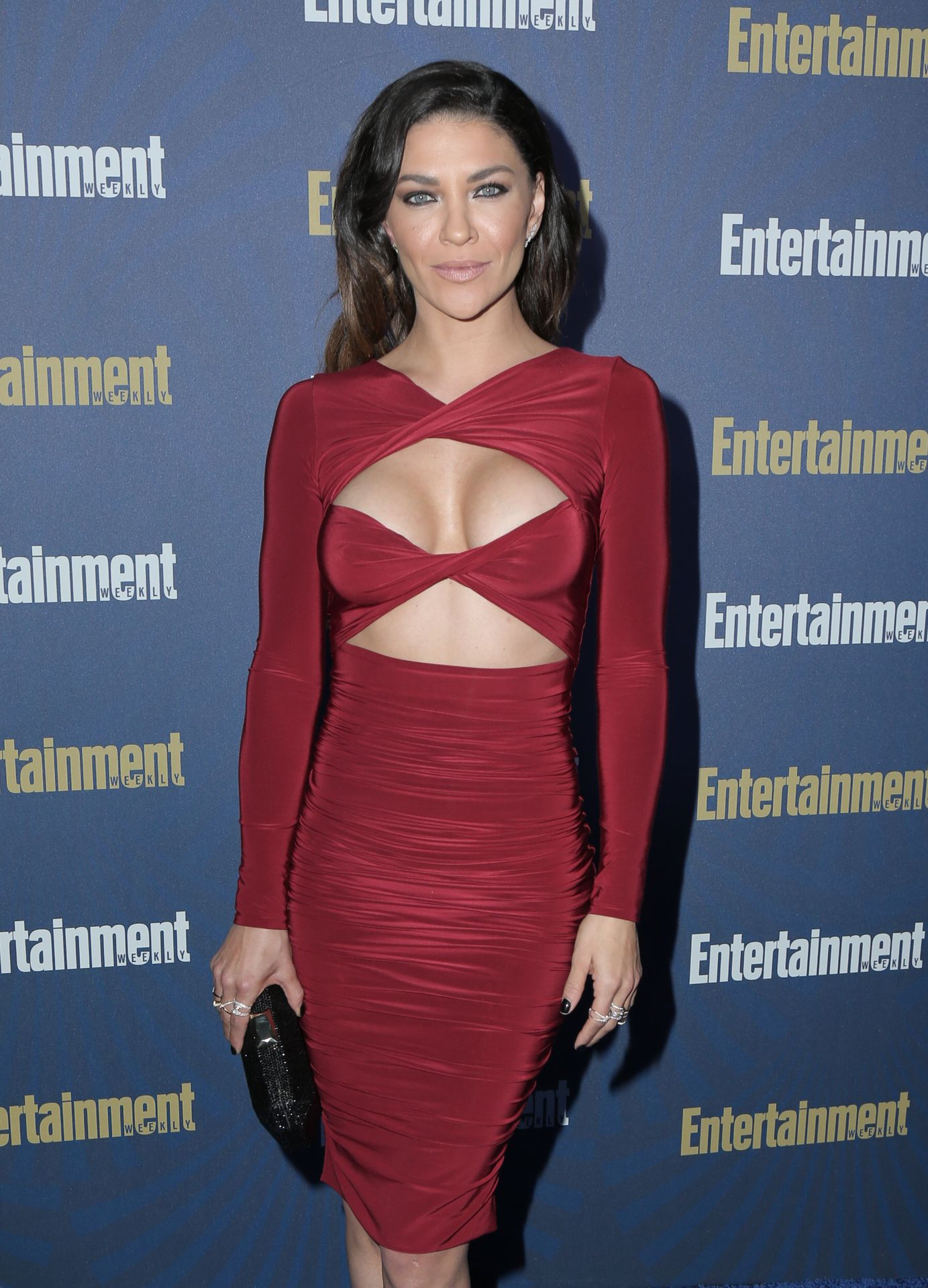 Jessica Szohr Shows Her Cleavage At The Entertainment Weekly Pre Sag Awards Celebration 0014
